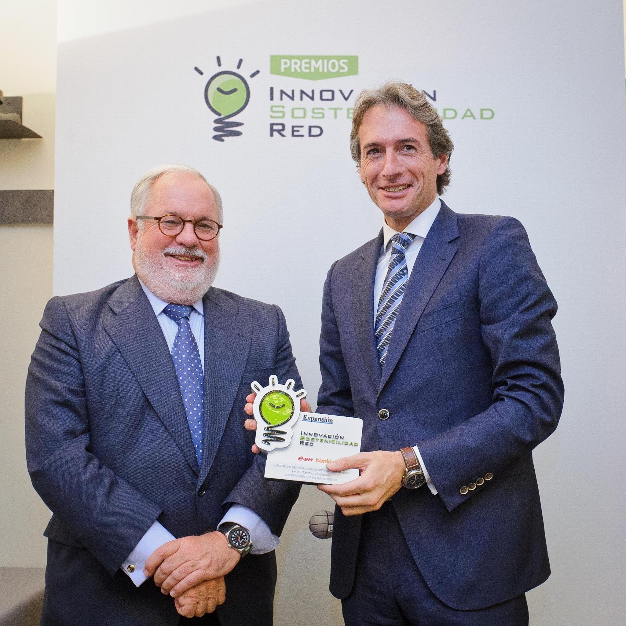 El Ayuntamiento recibe el premio »Innovación+Sostenibilidad+Red» por el proyecto SmartSantander