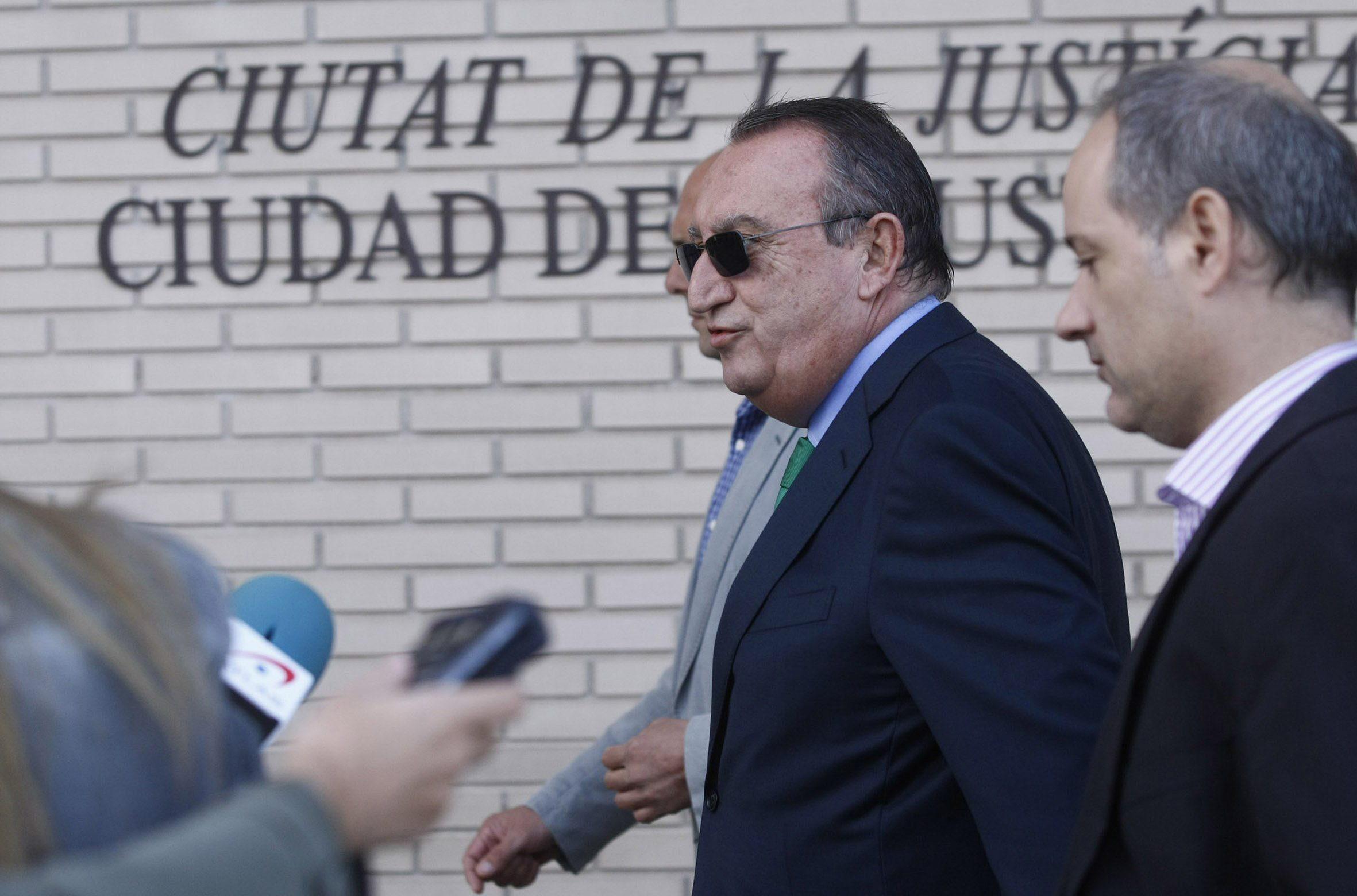 Carlos Fabra dice que no sabe si votará al PP en las próximas elecciones