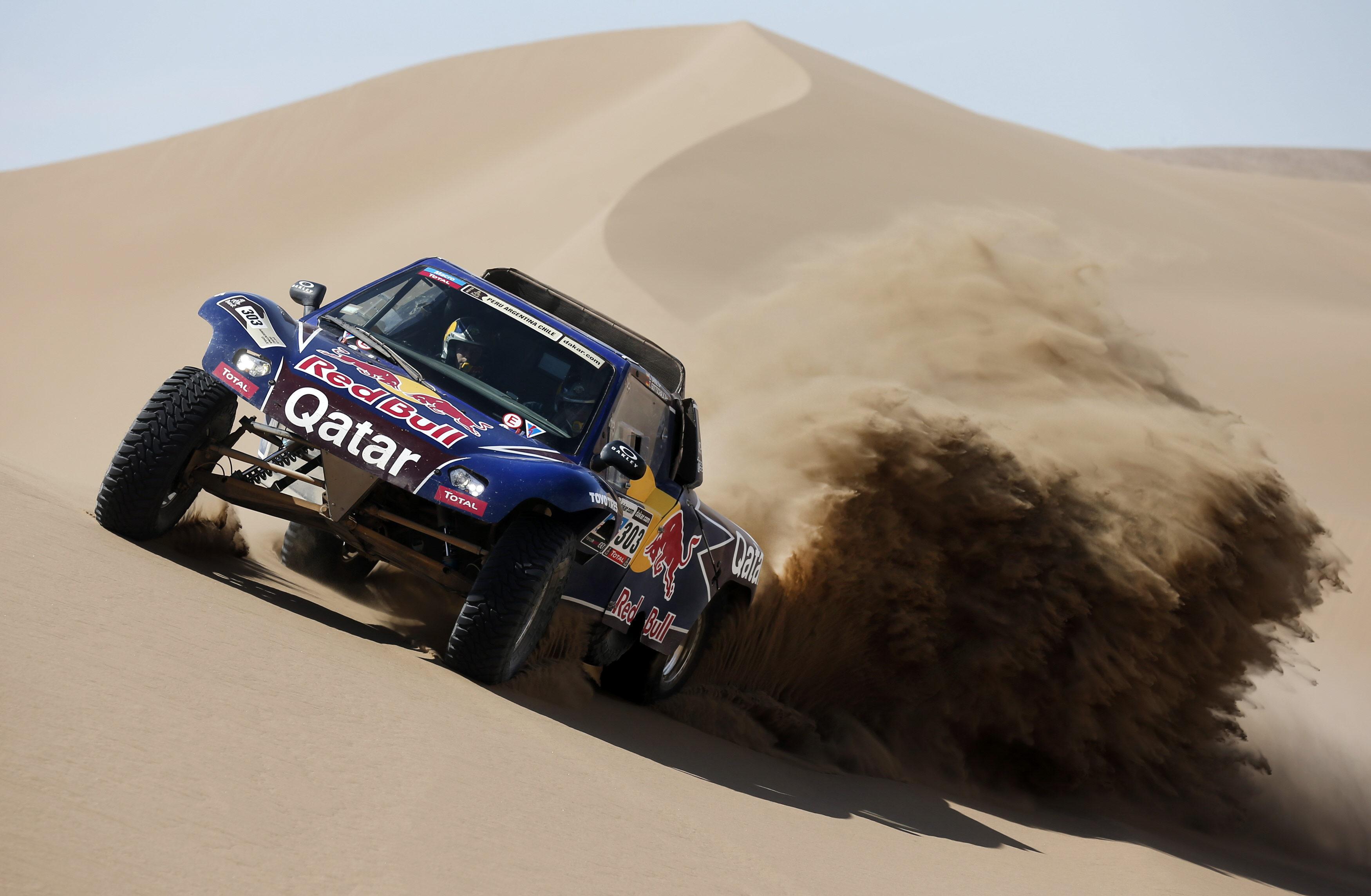 Carlos Sáinz, «muy feliz» del Buggy con el que correrá el Dakar