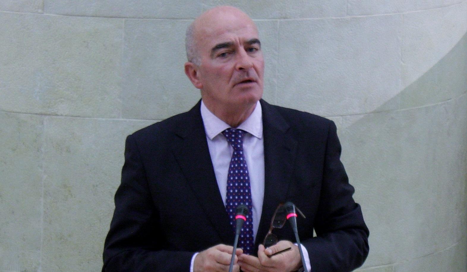 PRC y PSOE dicen que la «culpa» de los recortes no es de la herencia sino de la «impericia» del Gobierno