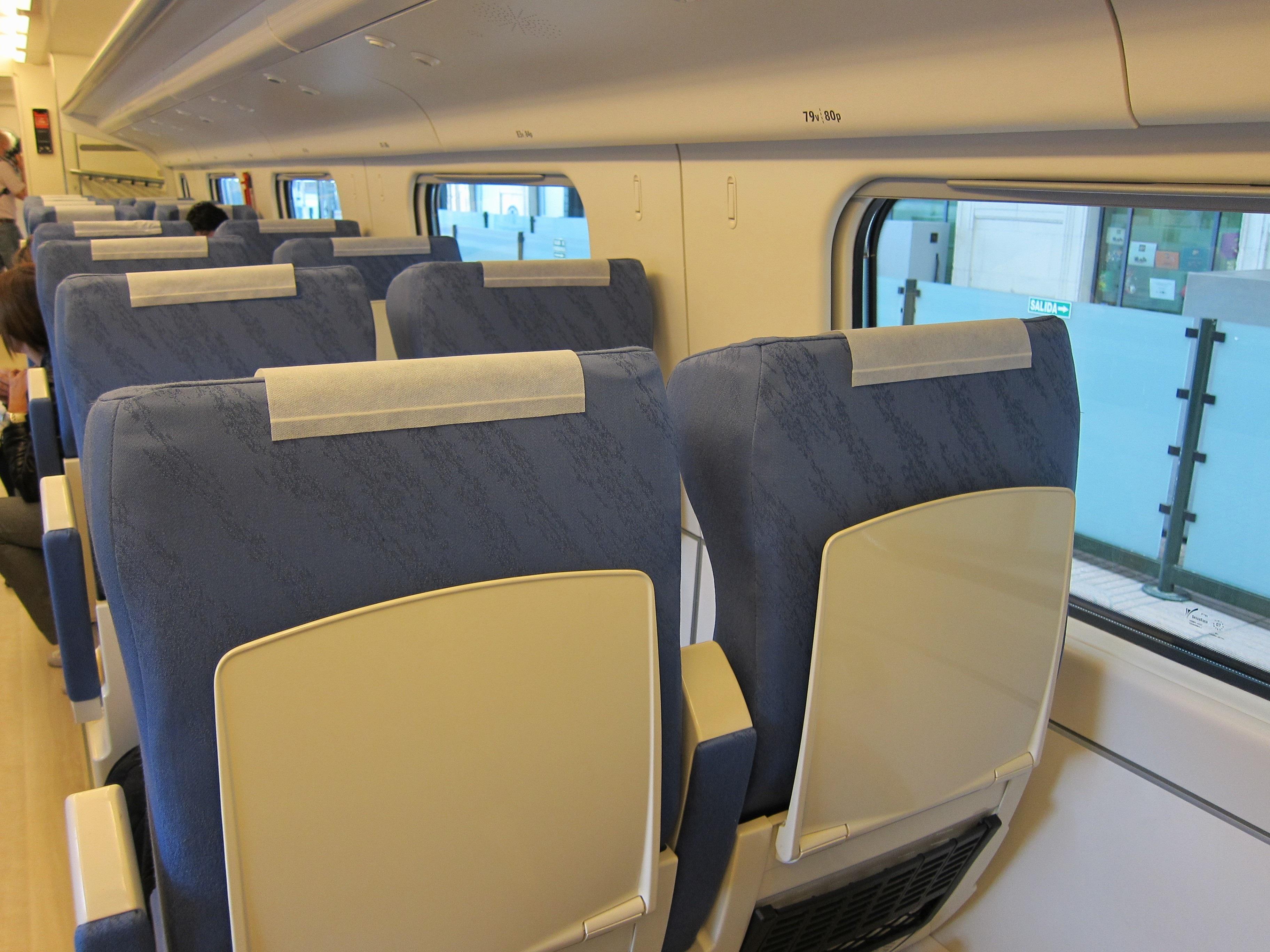 Renfe refuerza desde mañana con más de 15.000 plazas adicionales los trenes en CyL durante las vacaciones de Navidad