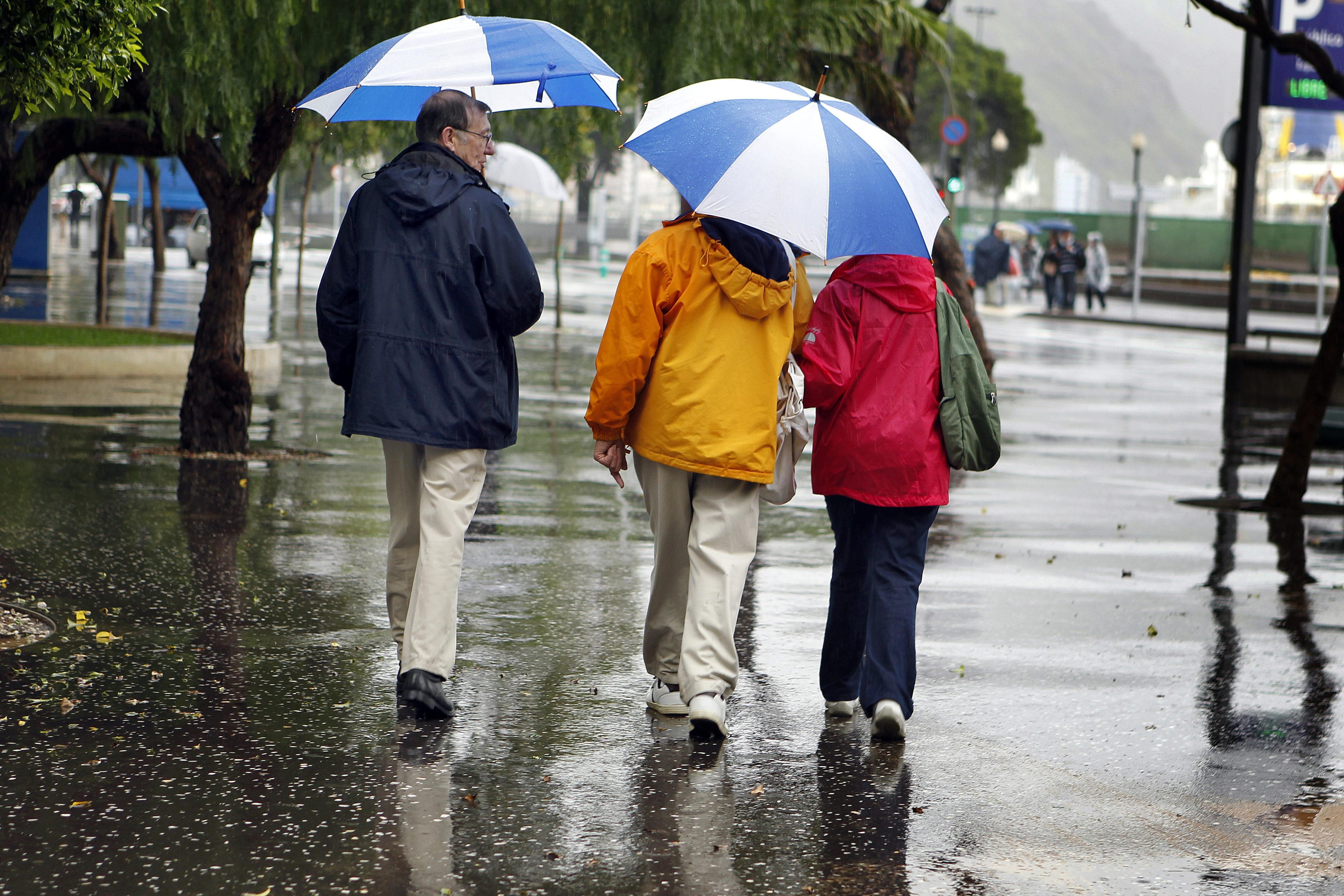 Viento, nieve y lluvia ponen en alerta a 27 provincias y a Ceuta y Melilla