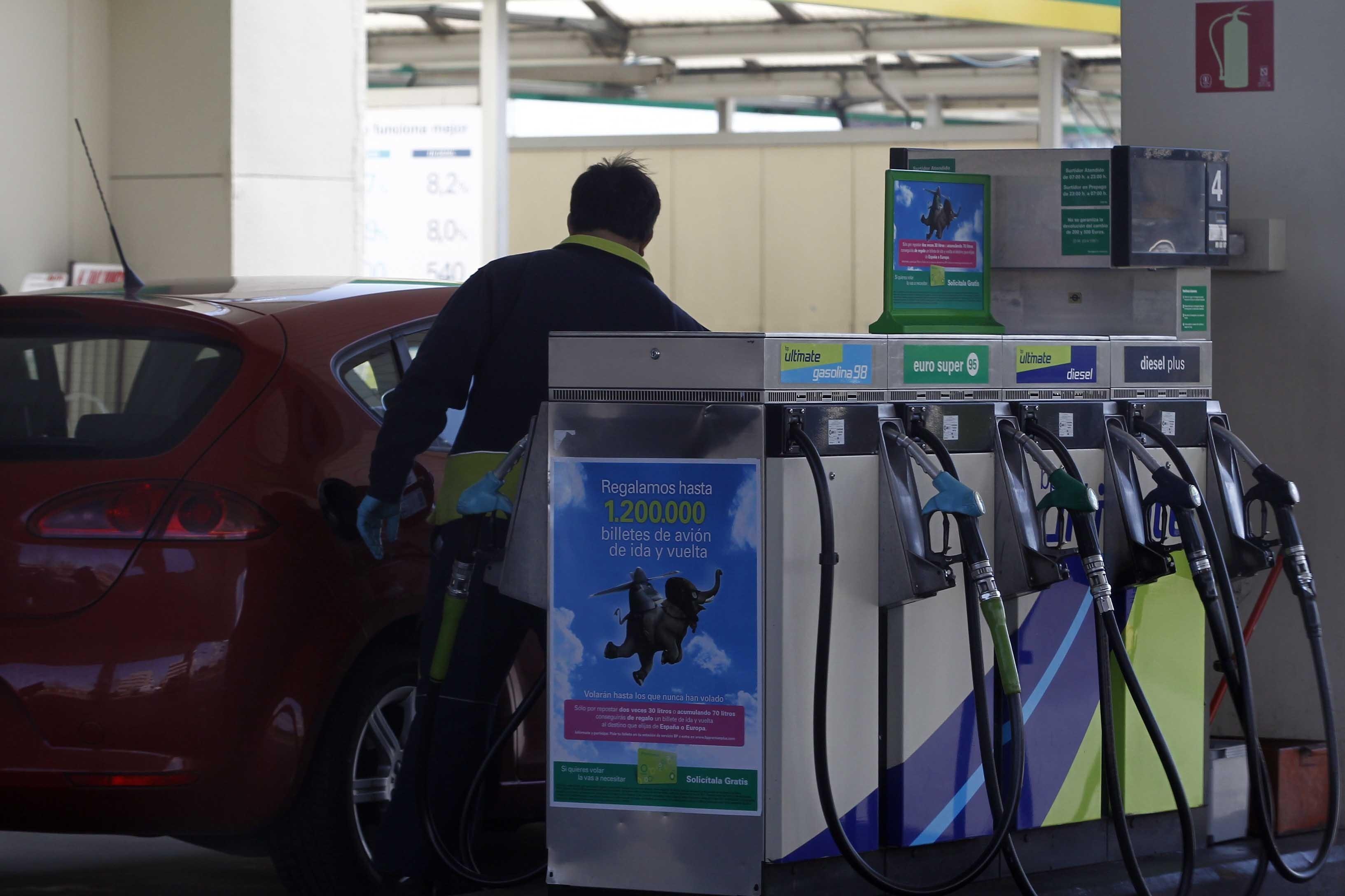Los empresarios de estaciones de servicio de Valladolid estudian acciones para recuperar el céntimo sanitario
