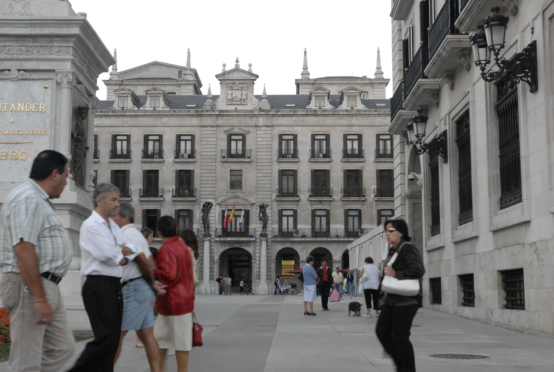 Abierta la preinscripción para el mercado dominical de la Plaza Porticada, que comienza en enero