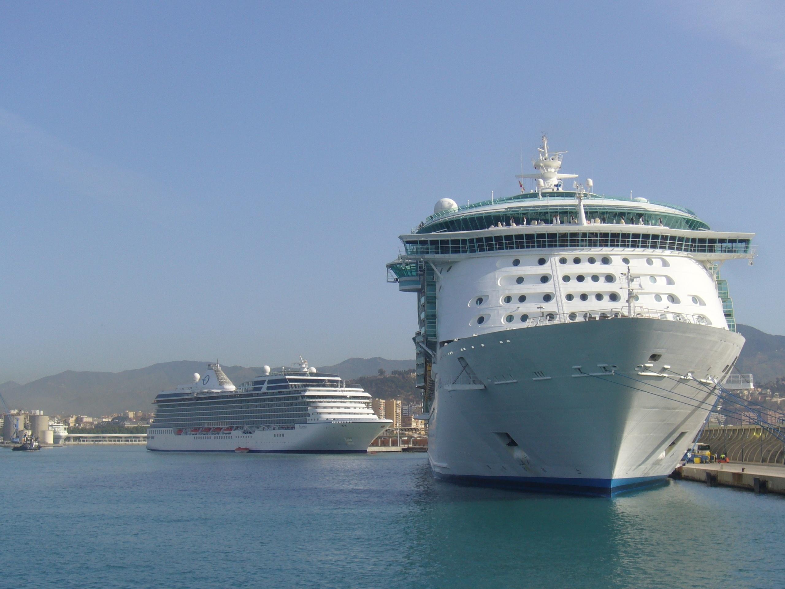 Andalucía recibe un 4,2% menos de cruceros hasta octubre, con 26,2% menos de viajeros