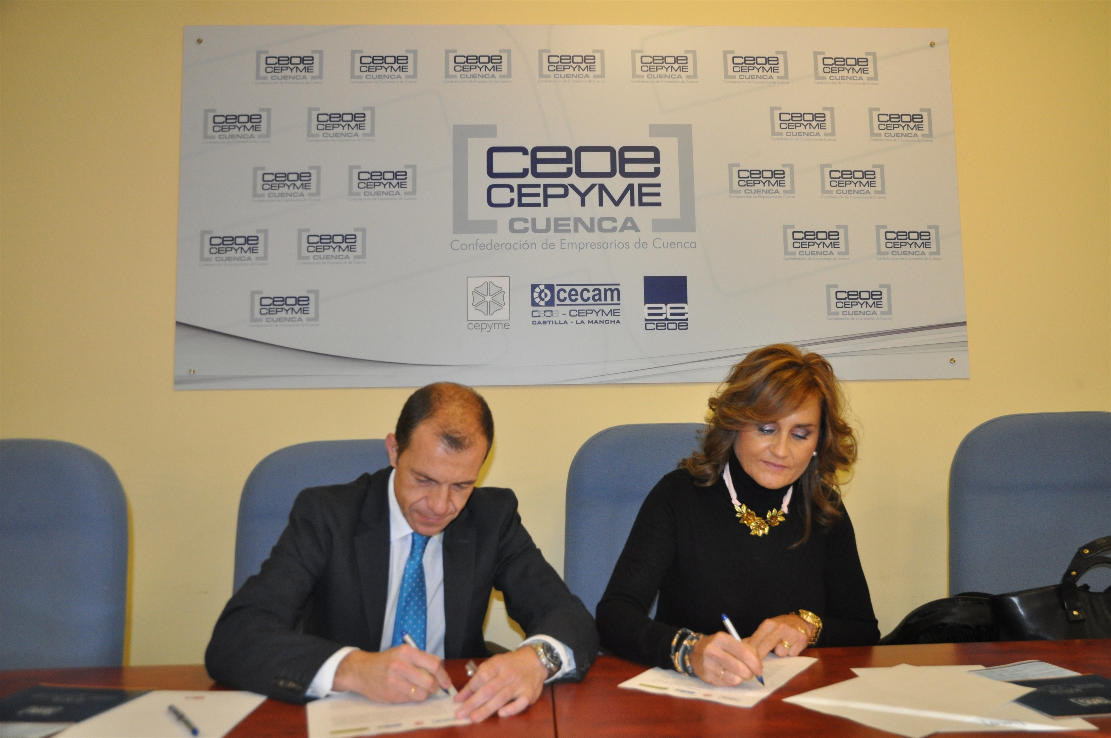 CEOE Cepyme Cuenca y AJE firman un convenio con el IES Pedro Mercedes para fomentar la cultura emprendedora en alumnos