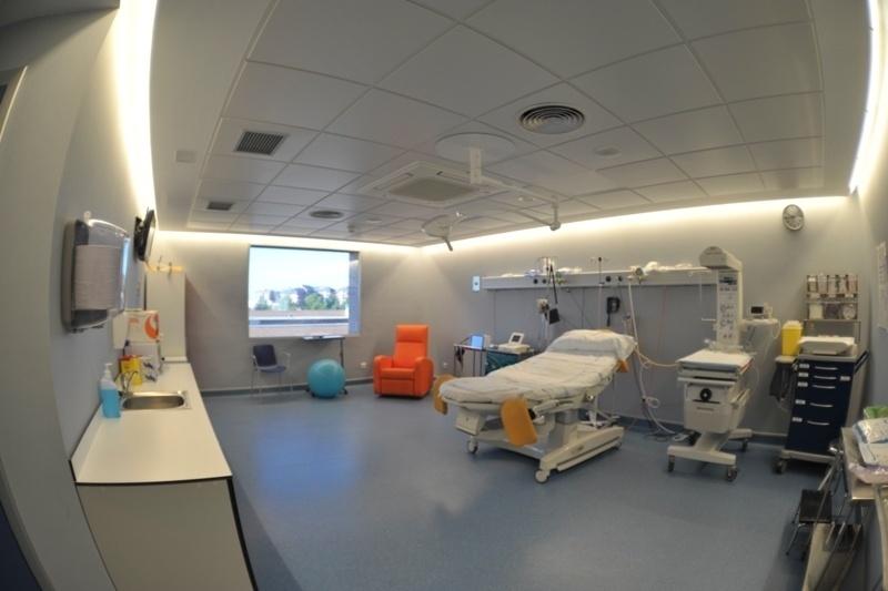 El Hospital Príncipe de Asturias mejora el área de obstetricia con salas de diseño ergonómico