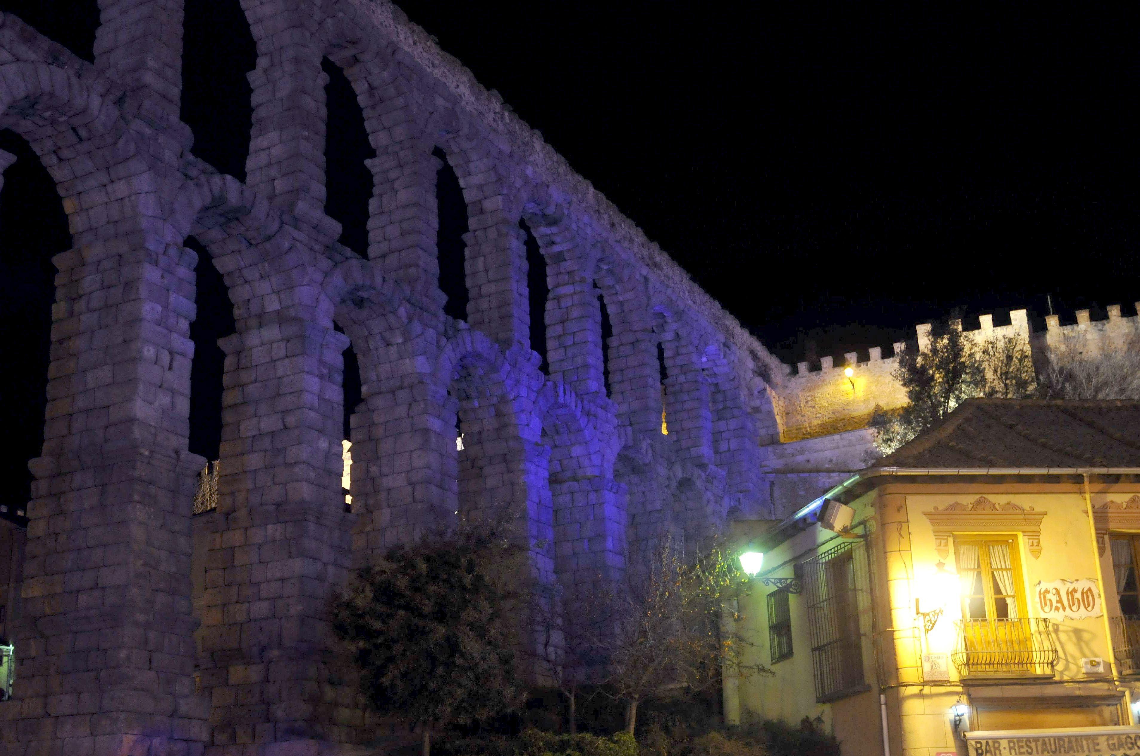 Montse Barderi recrea la Segovia de la construcción del acueducto romano