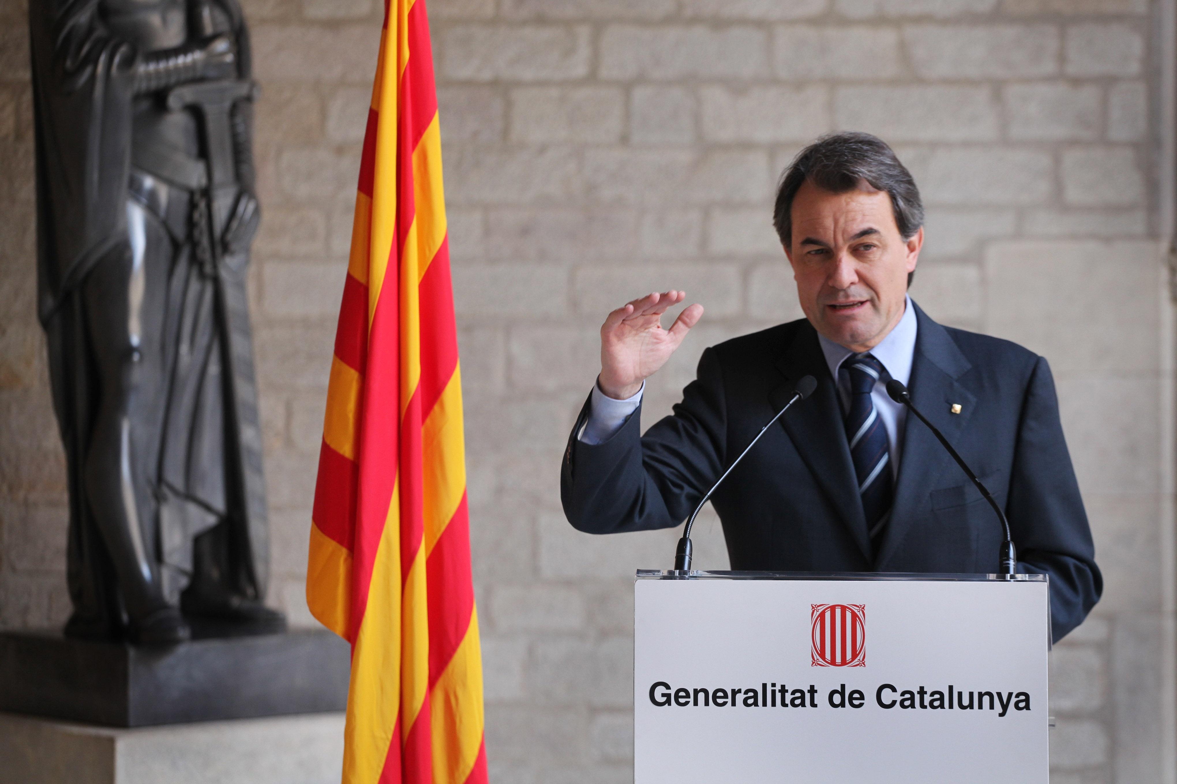 Mas felicita las fiestas asegurando que Cataluña será llamada «a decidir» en 2014