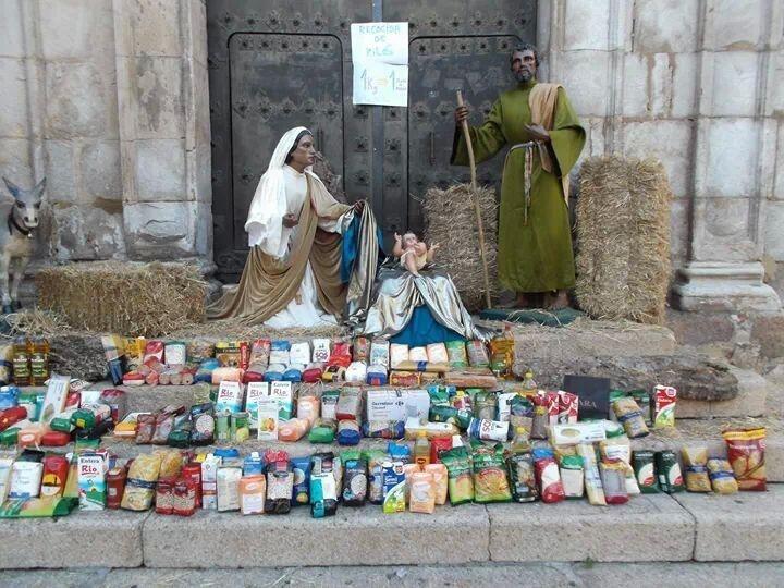 Las hermandades de Mérida recaudan más de una tonelada de alimentos en su campaña de Navidad