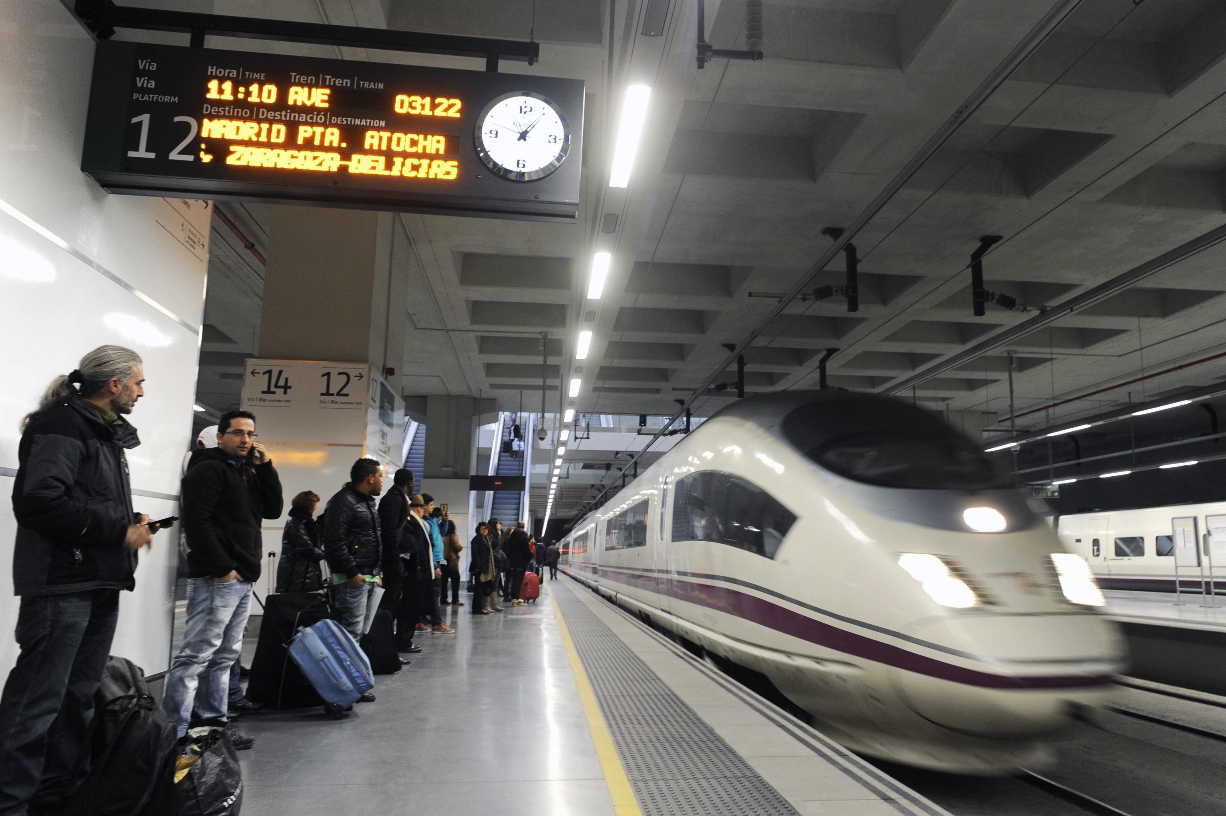 Unas 8.100 personas utilizan la alta velocidad con Francia la primera semana