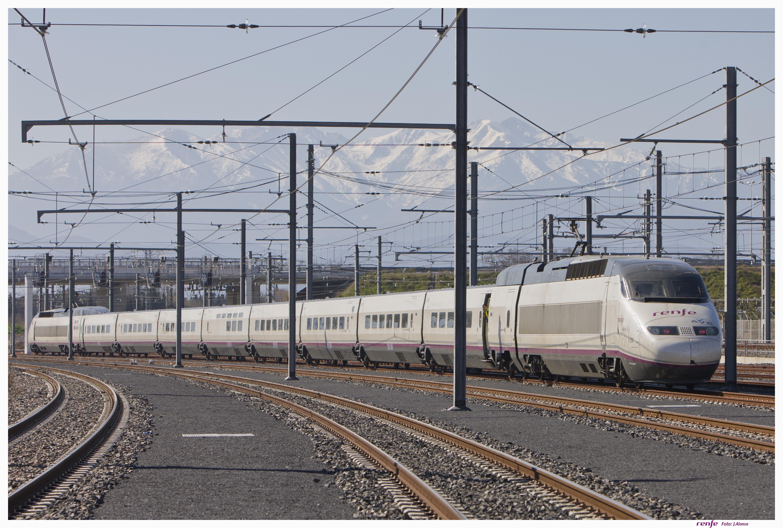 Más de 8.000 viajeros utilizan el AVE entre Barcelona y Francia en la primera semana