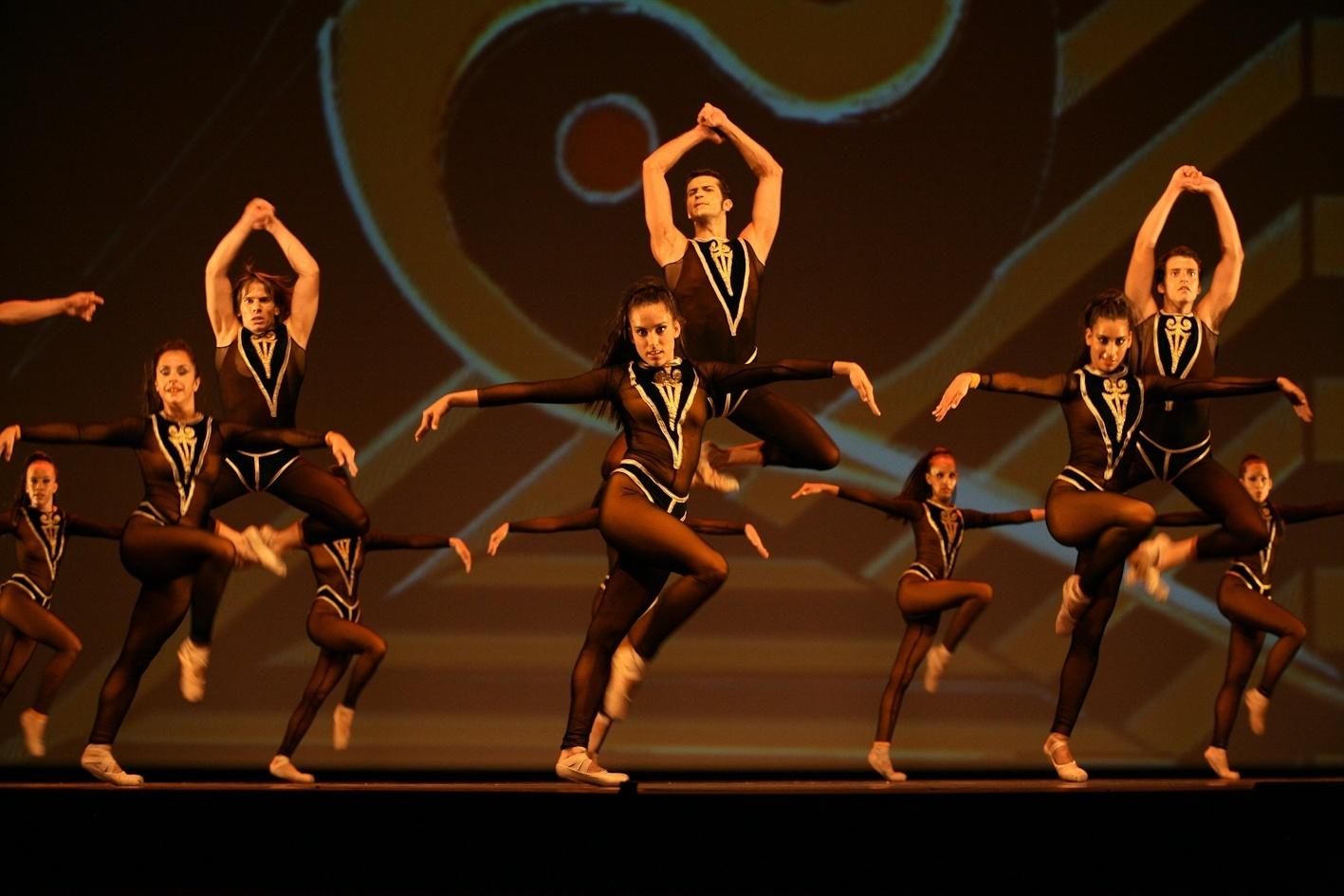 Ballets de Tenerife pone en escena un espectáculo de contrastes en la VI Gala en Navidad
