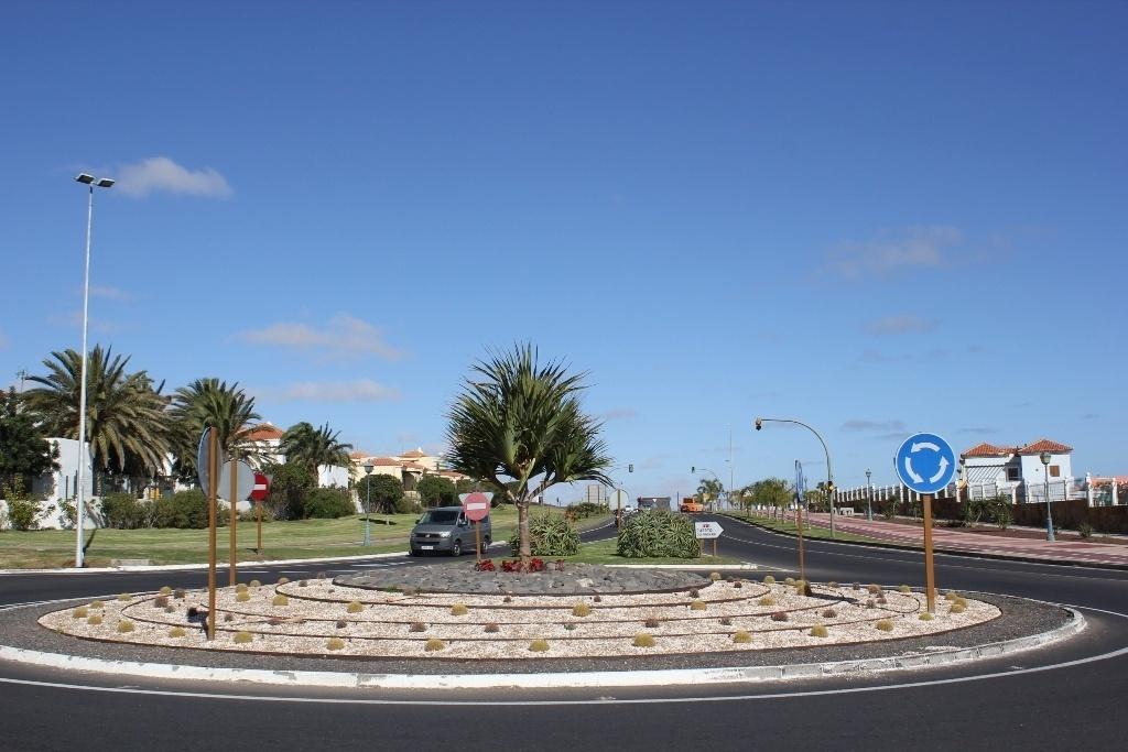El Cabildo de Fuerteventura pone en marcha un plan para la rehabilitación de las glorietas de la isla