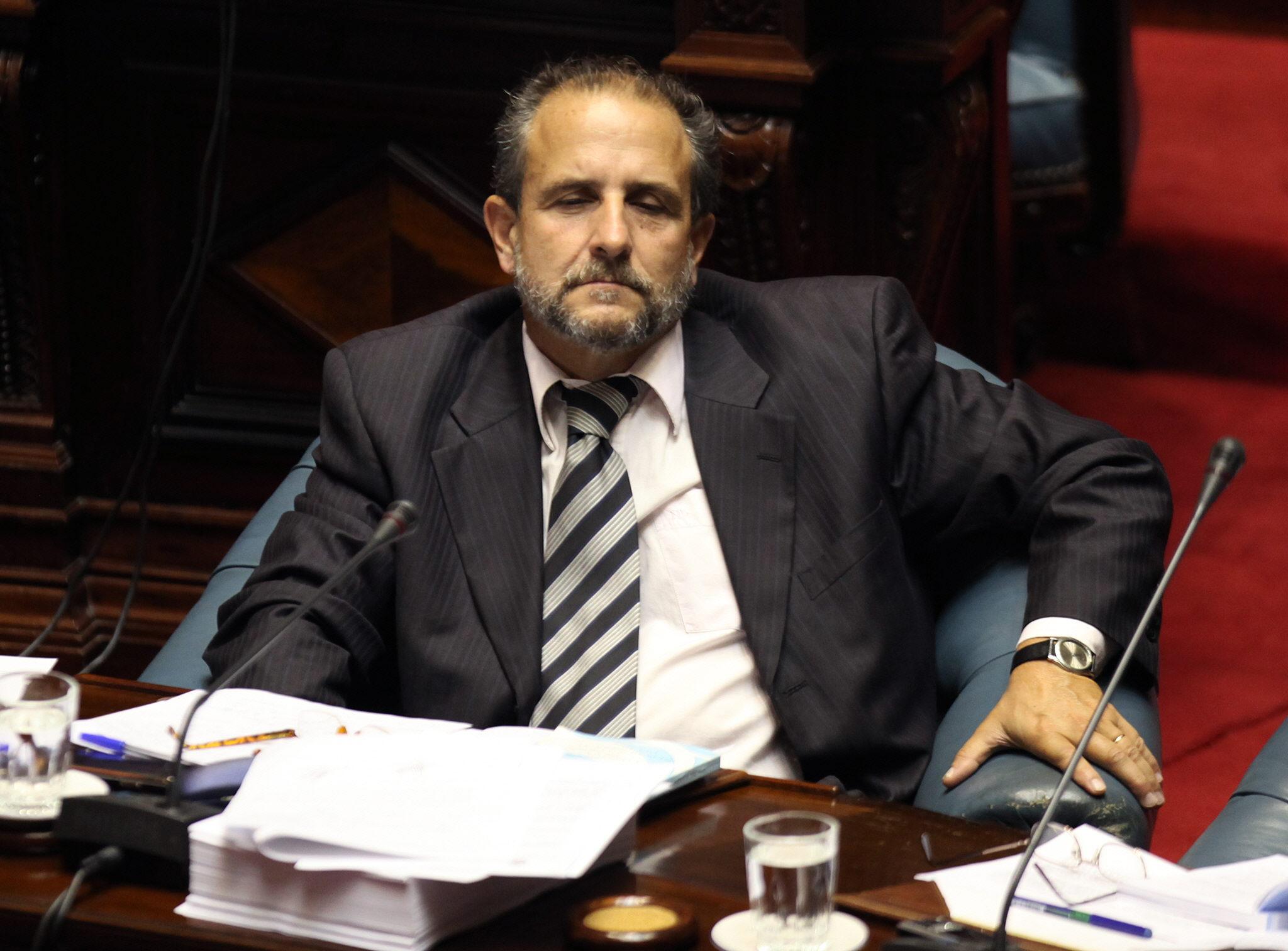 Candidato a la presidencia de Uruguay herido al entrar unos ladrones en su casa