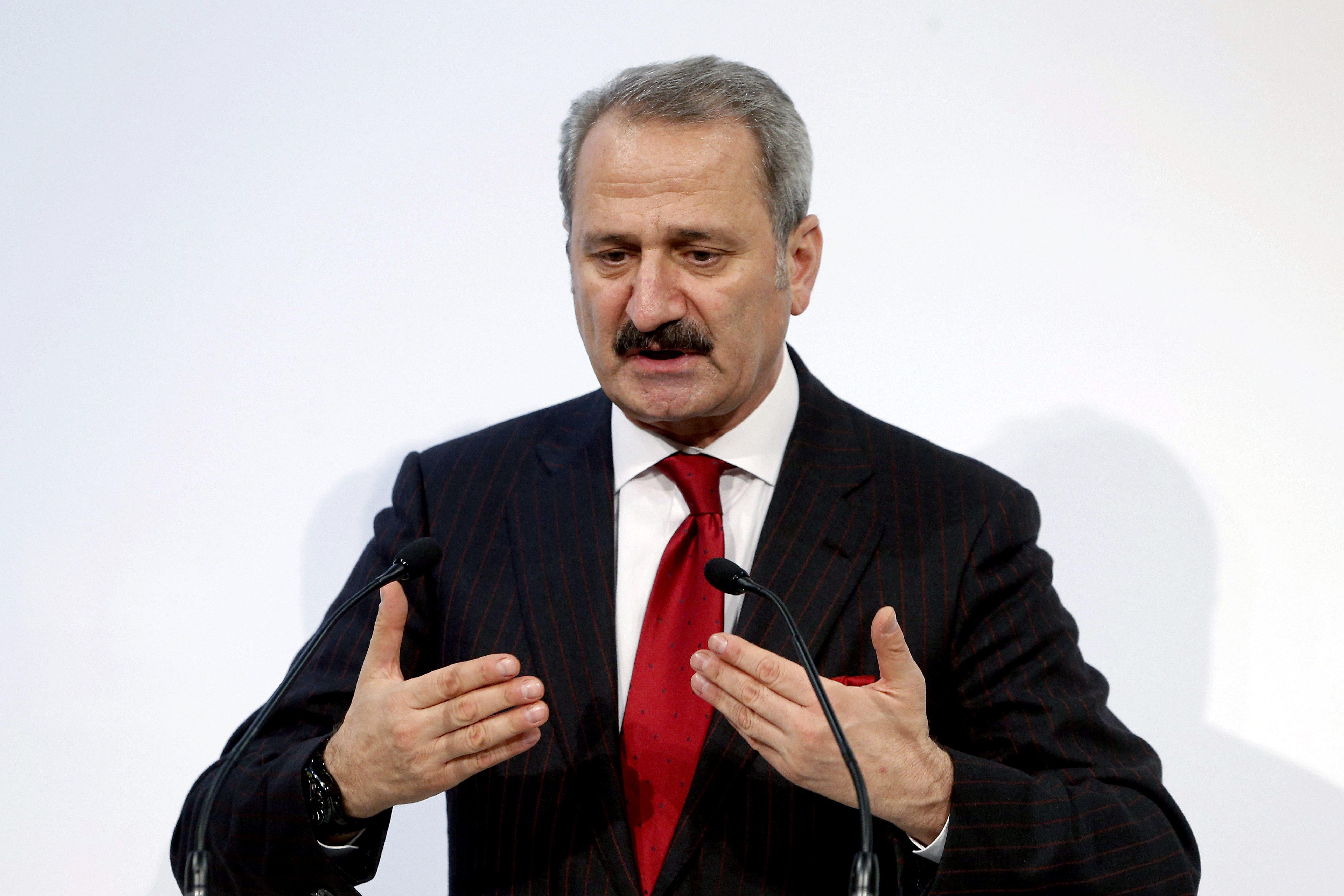 Dimiten dos ministros turcos asociados al reciente escándalo de corrupción