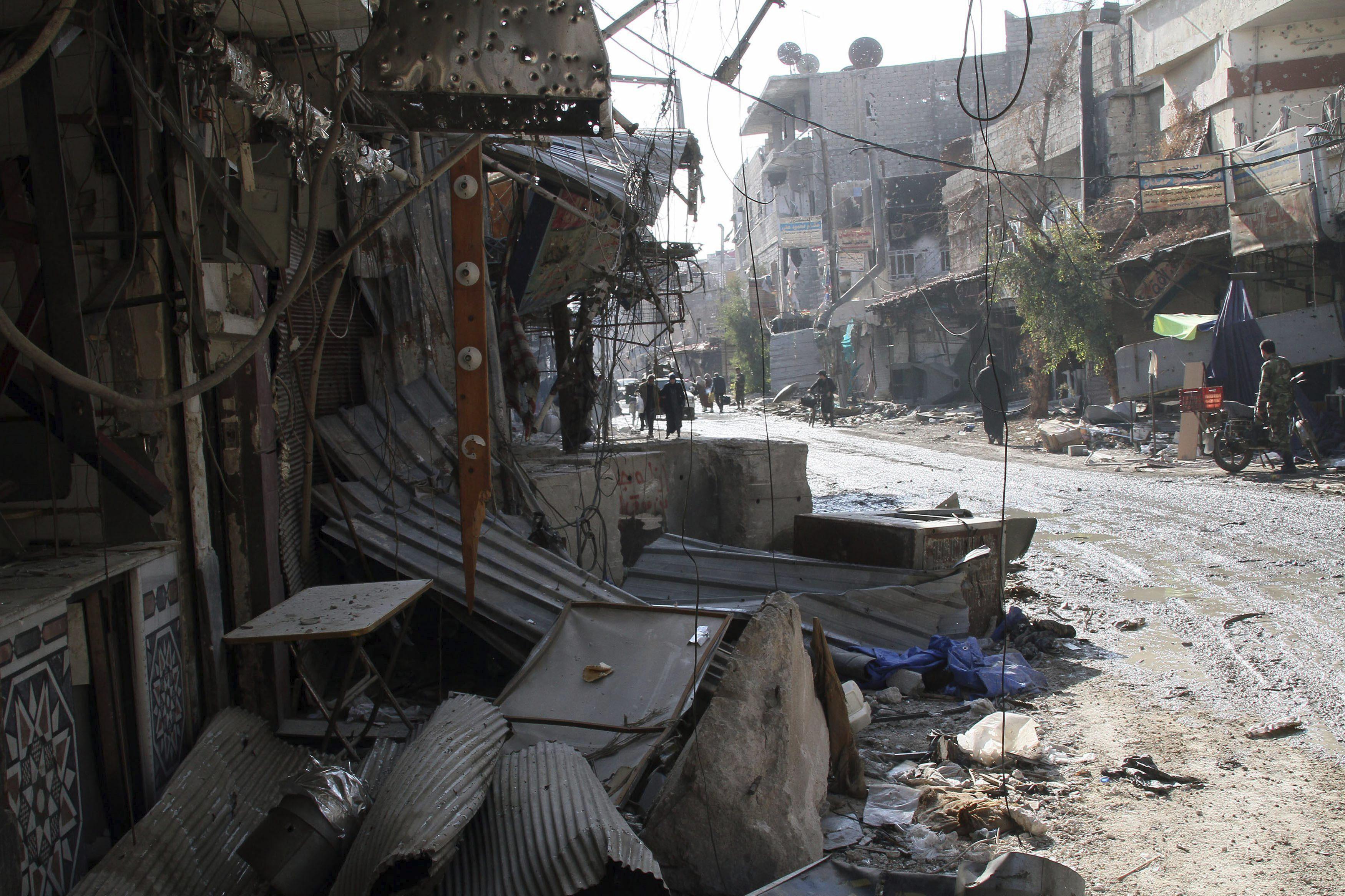 El Observatorio Sirio eleva a más de 400 los muertos en diez días de bombardeos en Alepo