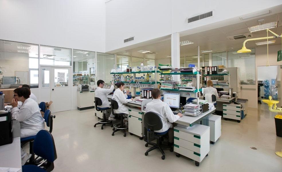 El PSOE pide que se incluyan a biólogos, físicos, geólogos y químicos en la Ley de Colegios Profesionales