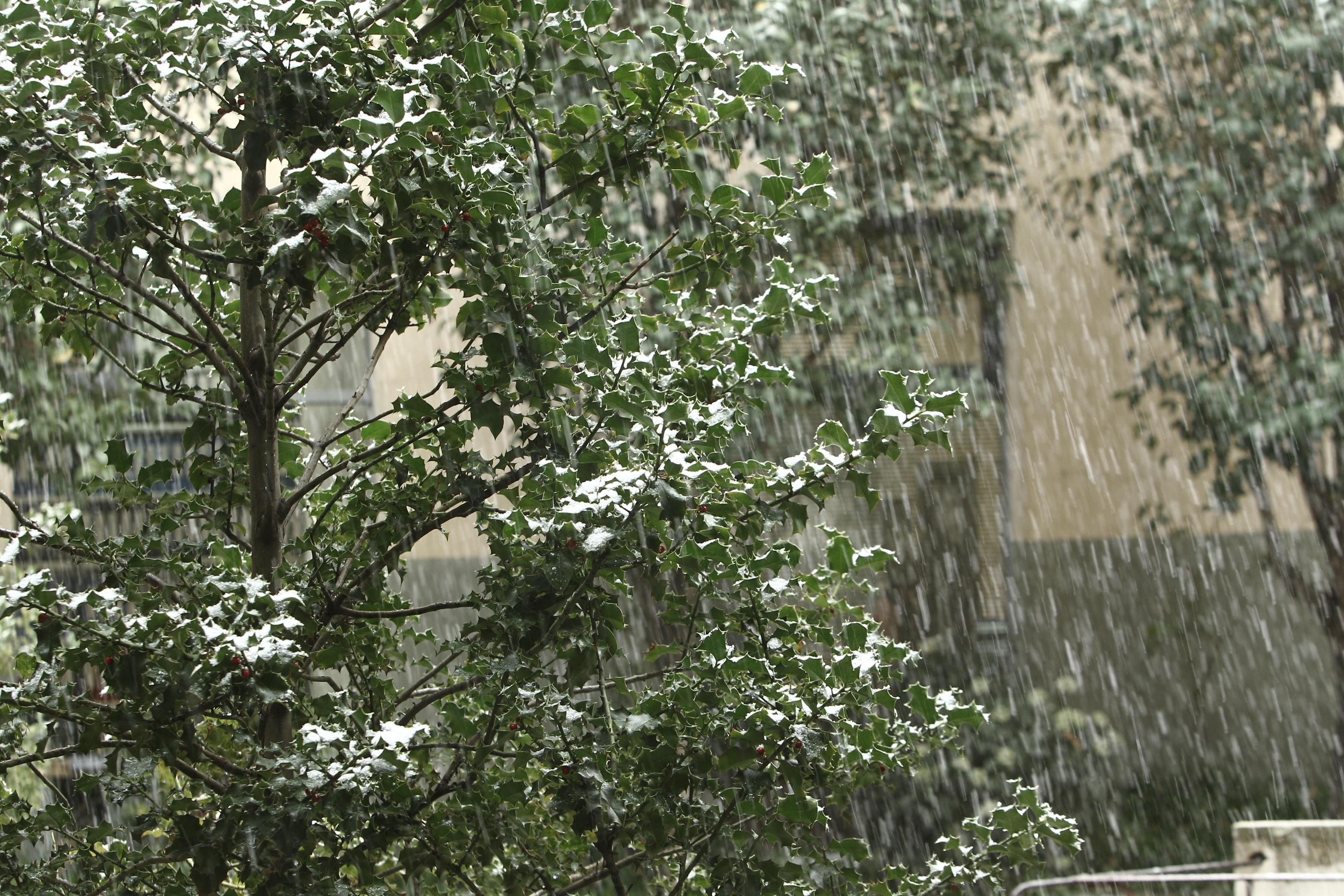 El 112 alerta de nevadas en la sierra de hasta 10 centímetros y rachas de viento de 90 kilómetros por hora