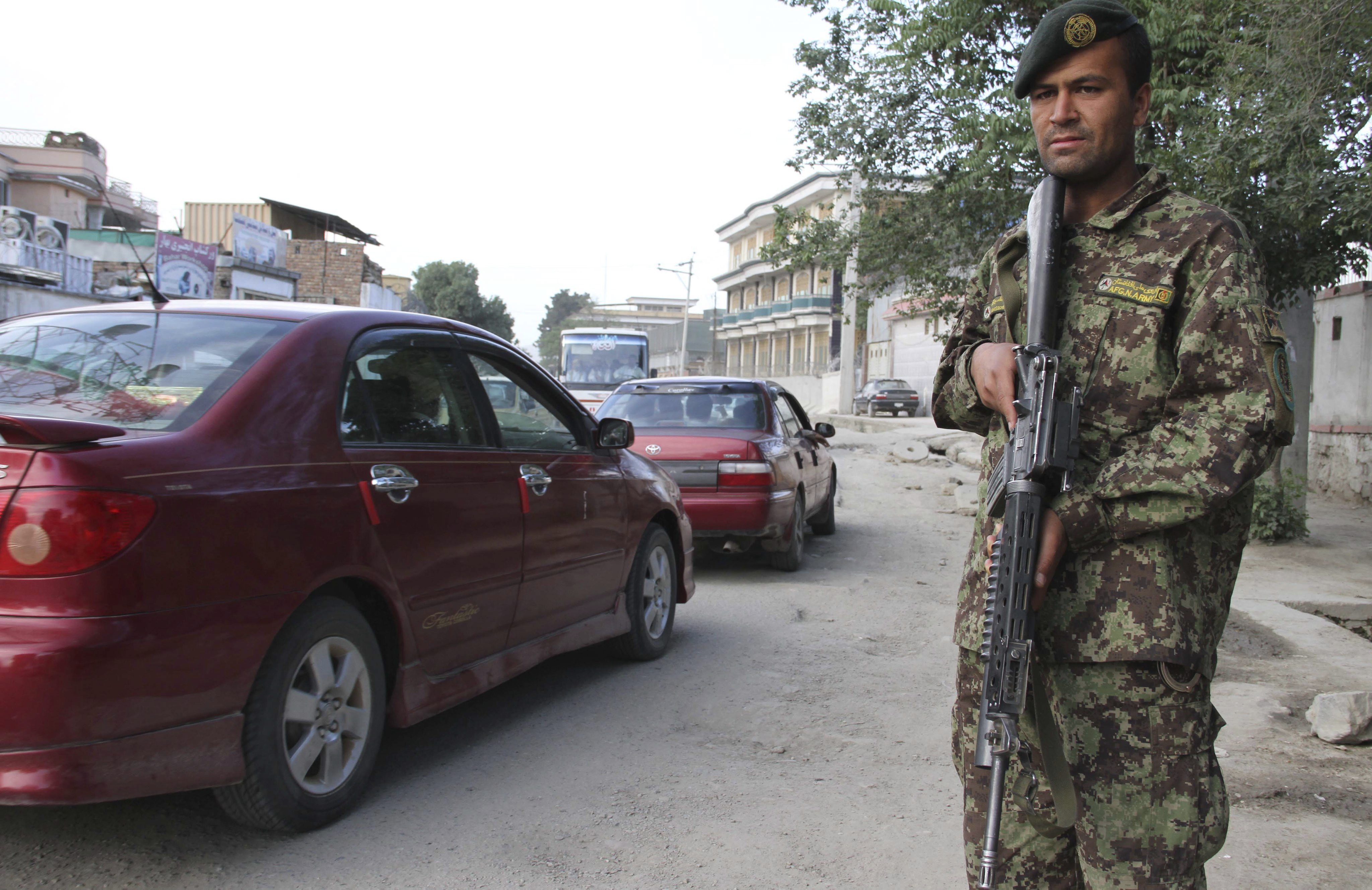 Dos cohetes caen en la embajada estadounidense en Kabul sin causar heridos