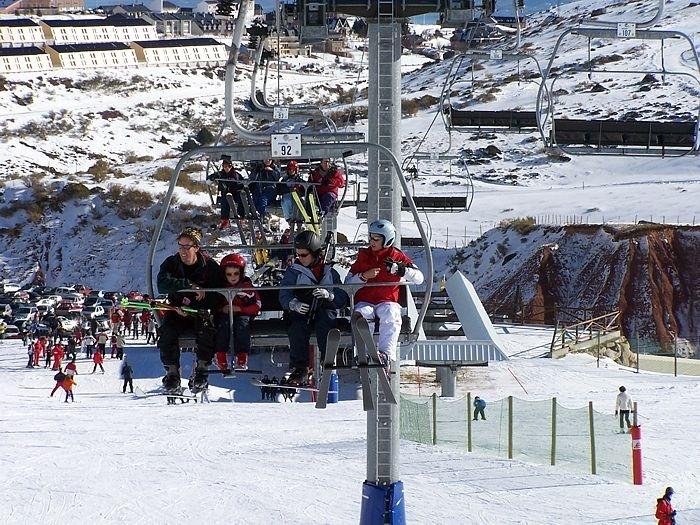 Alto Campoo reabre este jueves con nueve pistas esquiables