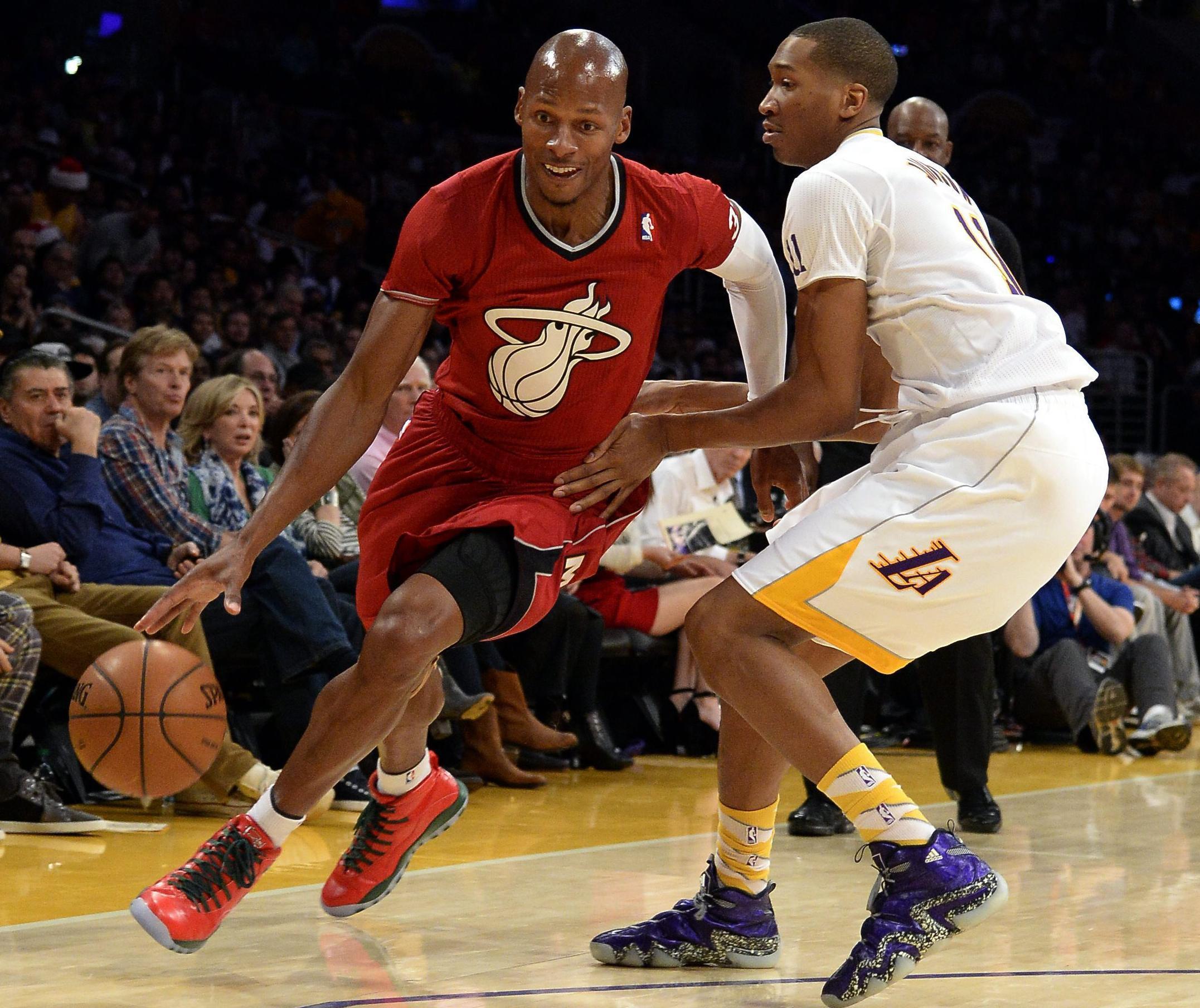 Bosh hizo de Santa Claus ganador de los Heat ante los Lakers