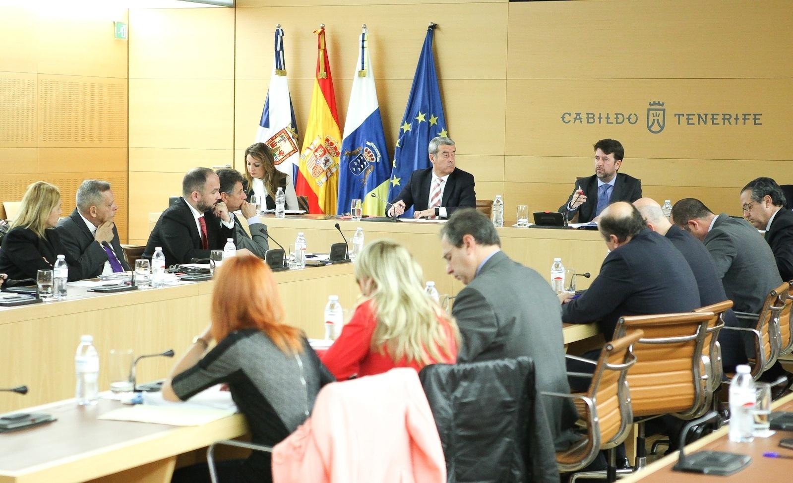 CC y PSOE aprueban el presupuesto del Cabildo de Tenerife con un aumento del 84,5% en inversión