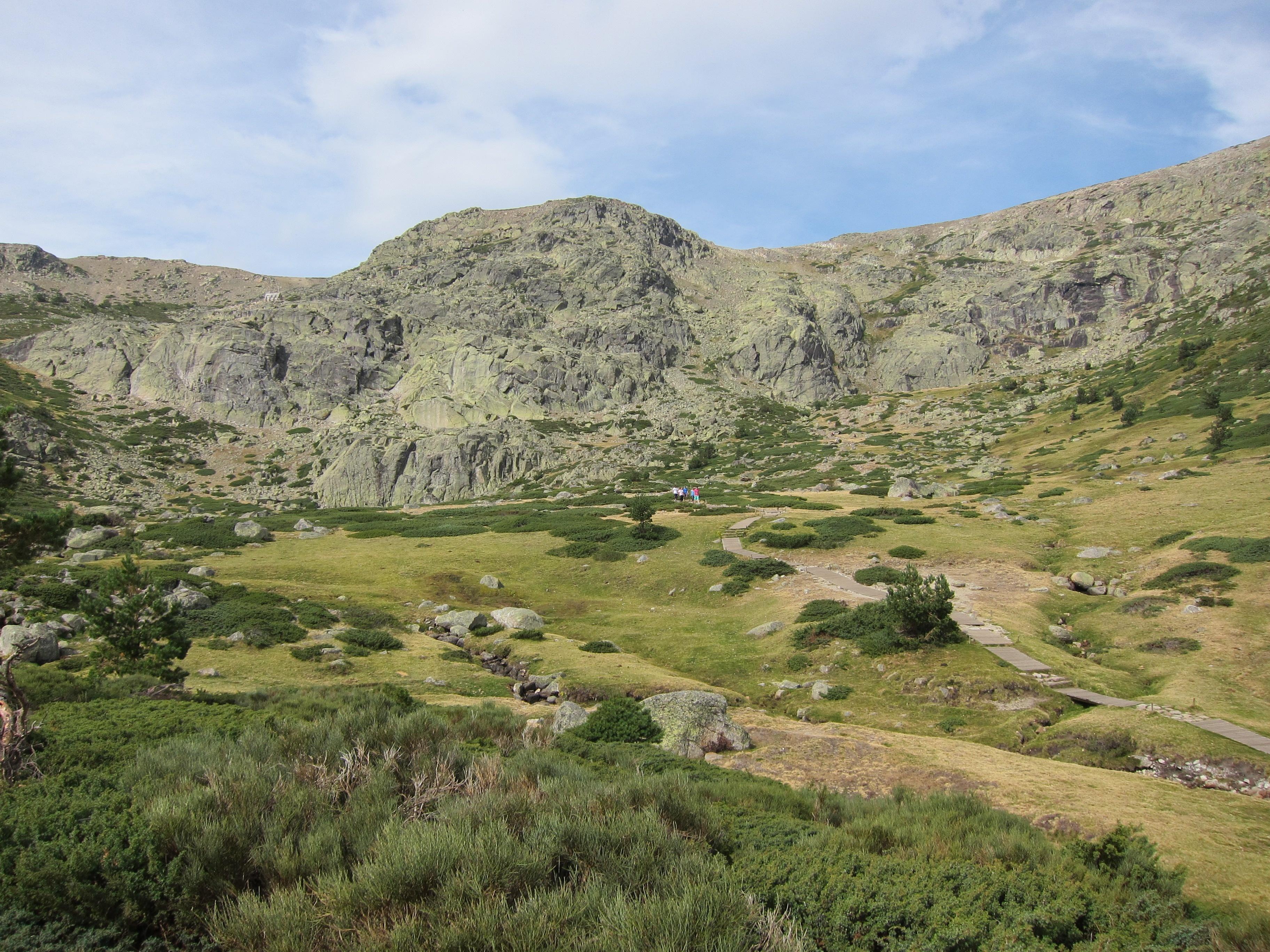 La Comunidad, Castilla y León y Parques Nacionales impulsarán en turismo sostenible en el Parque Nacional de Guadarrama