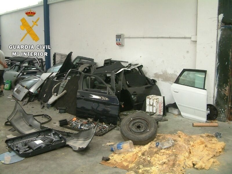 Desarticulado un grupo criminal que robaba coches en Madrid y los desguazaba en Noblejas y Ocaña (Toledo)