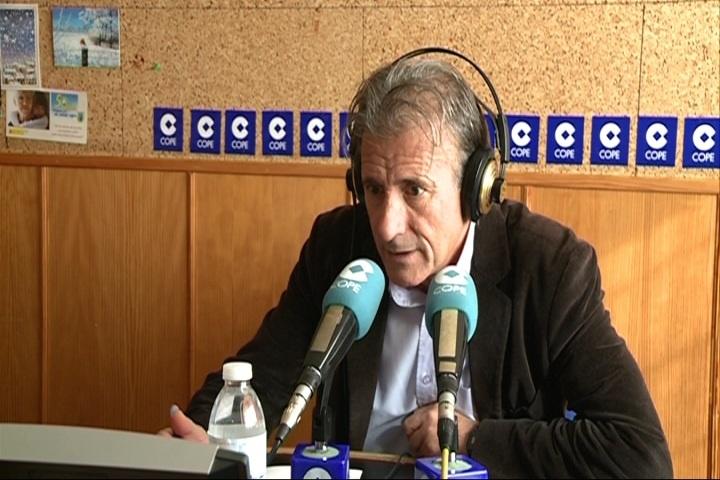 Escobar (IU) recuerda a Vara (PSOE) que «si hubiera tenido un voto más» que Monago, estaría goberando en Extremadura
