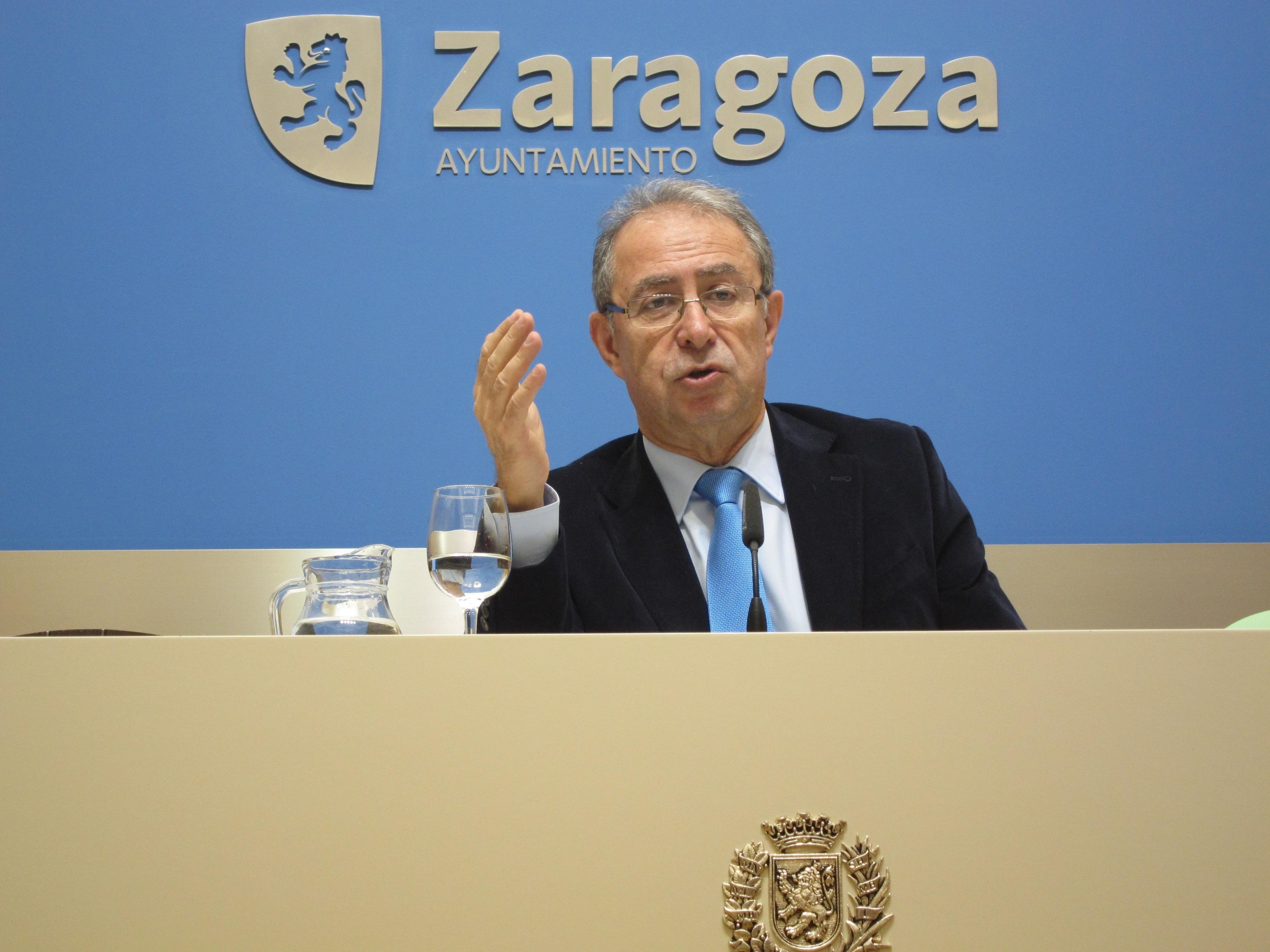 Gimeno subraya que la tarifa del vertido «no subirá» en 2014 al igual que los impuestos y tasas