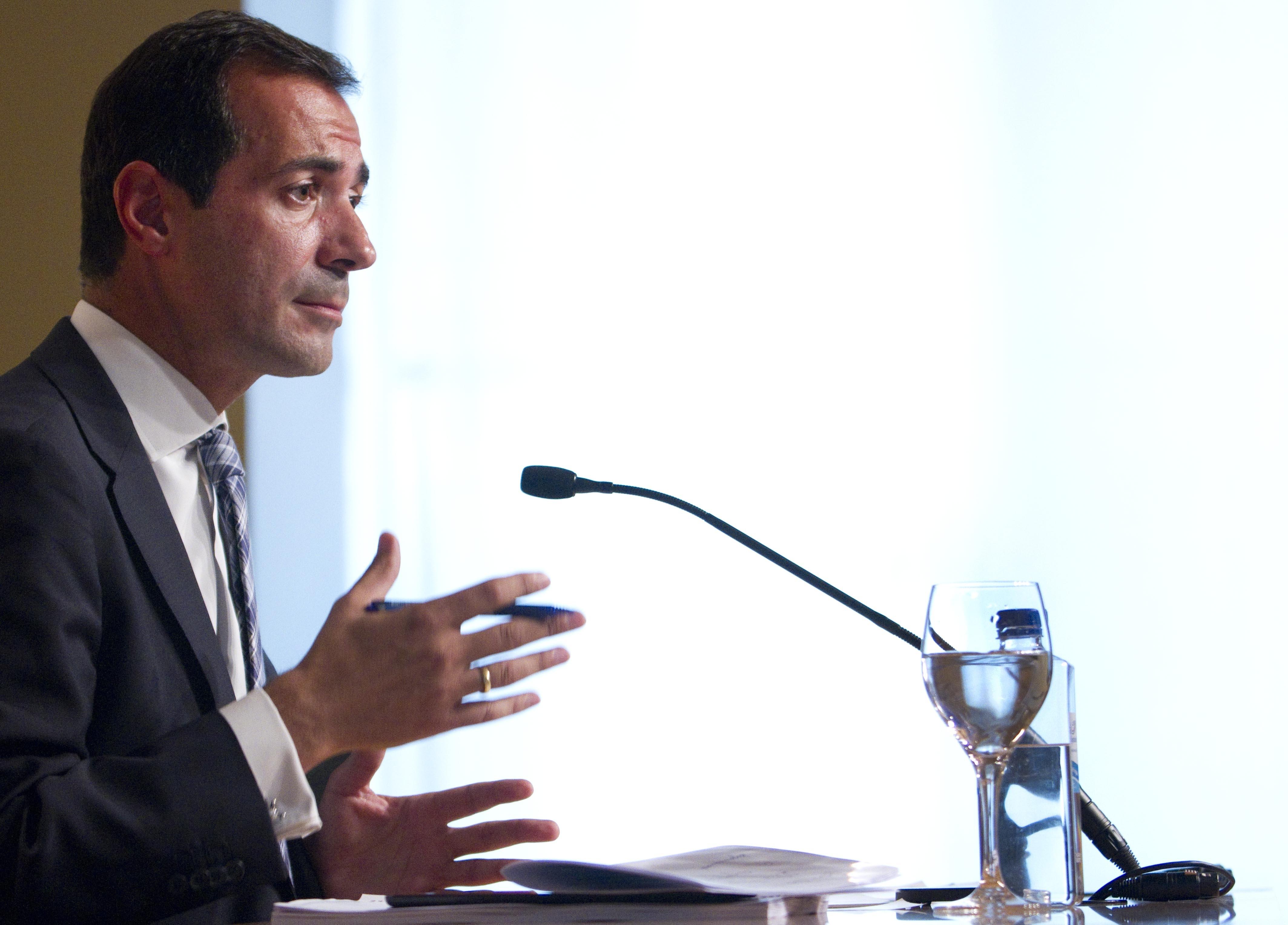 Gobierno de Madrid situa las palabras de Montoro en su «complicado» final de año marcado por «amenazas y chascarrillos»