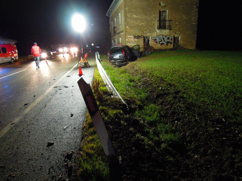 Heridos cuatro miembros de una familia en un accidente ocurrido este miércoles en Lizoain