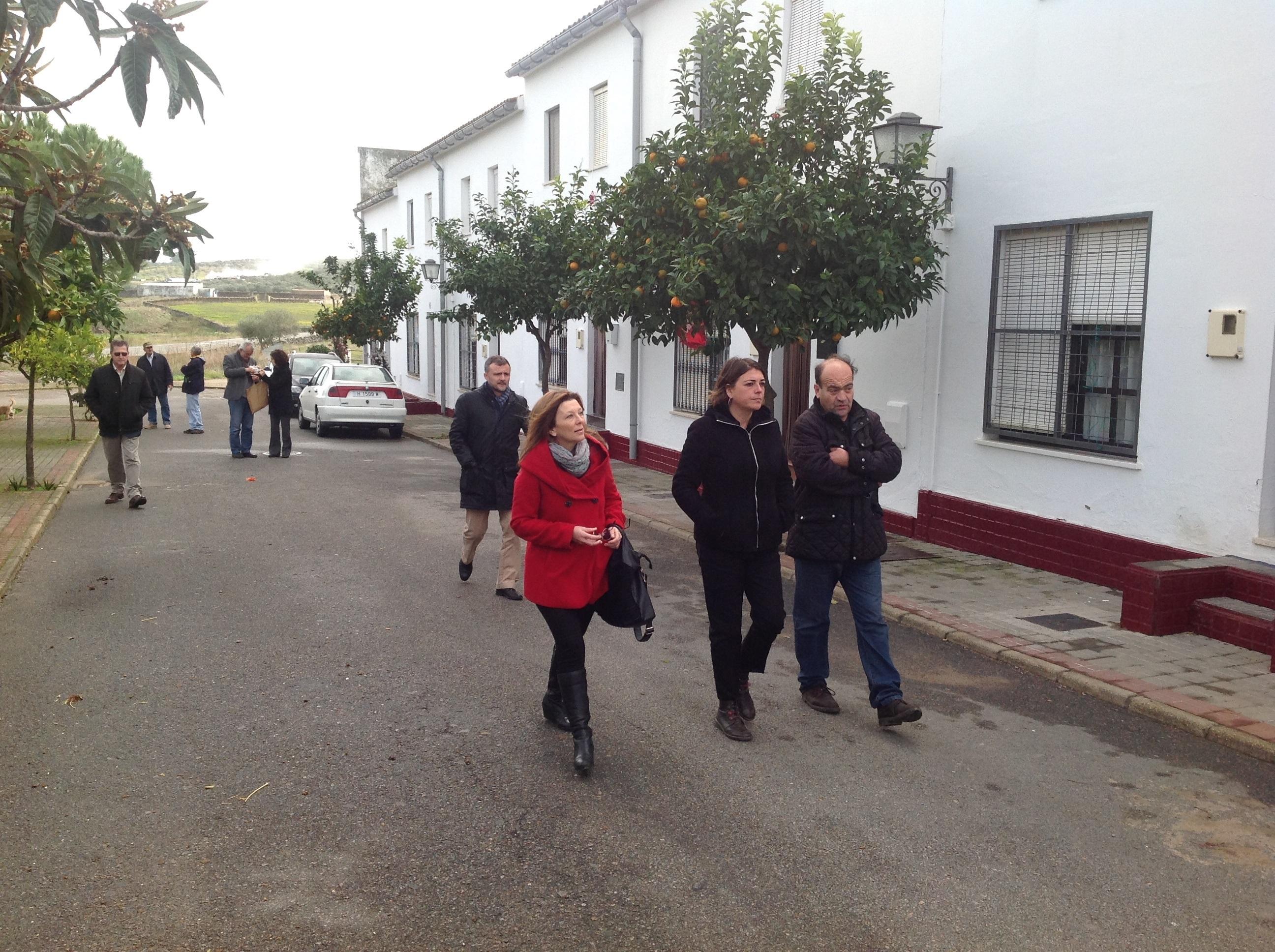 La Junta rehabilitará a partir de enero las zonas comunes de 20 viviendas de parque público de Encinasola