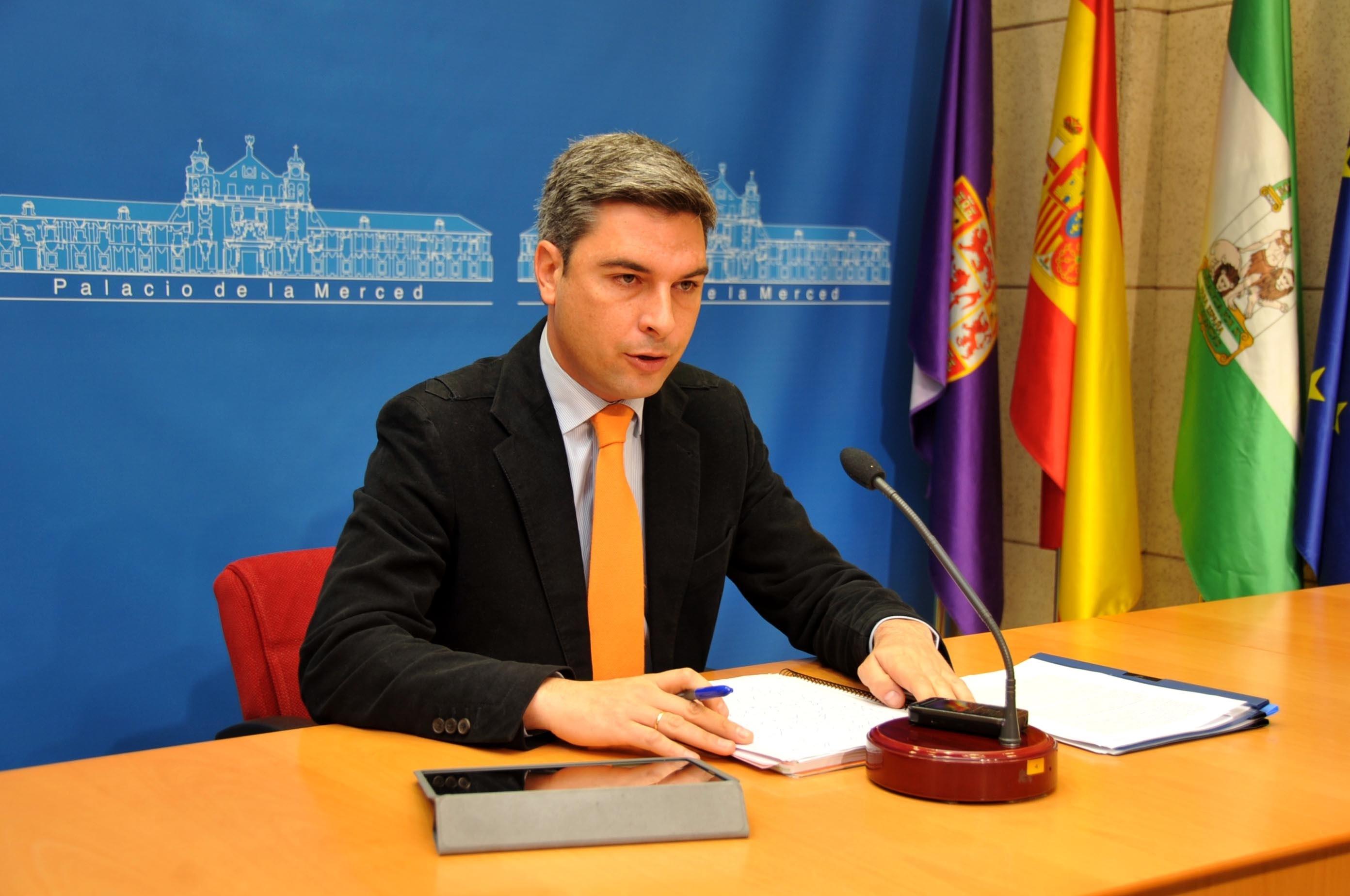 Lorite destaca que la Diputación ha licitado en 2013 más de 33 millones de euros en obra pública
