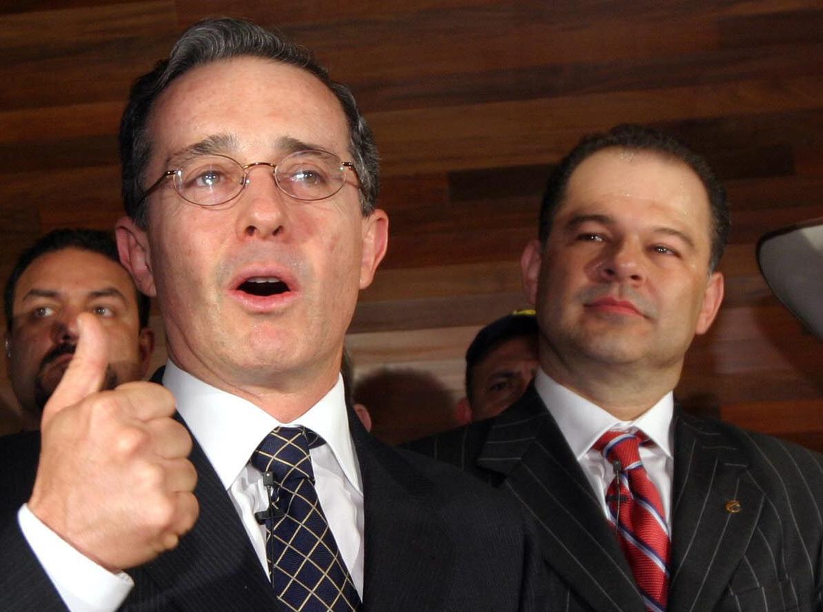 Muere un expresidente del Senado colombiano condenado por nexos con paramilitares