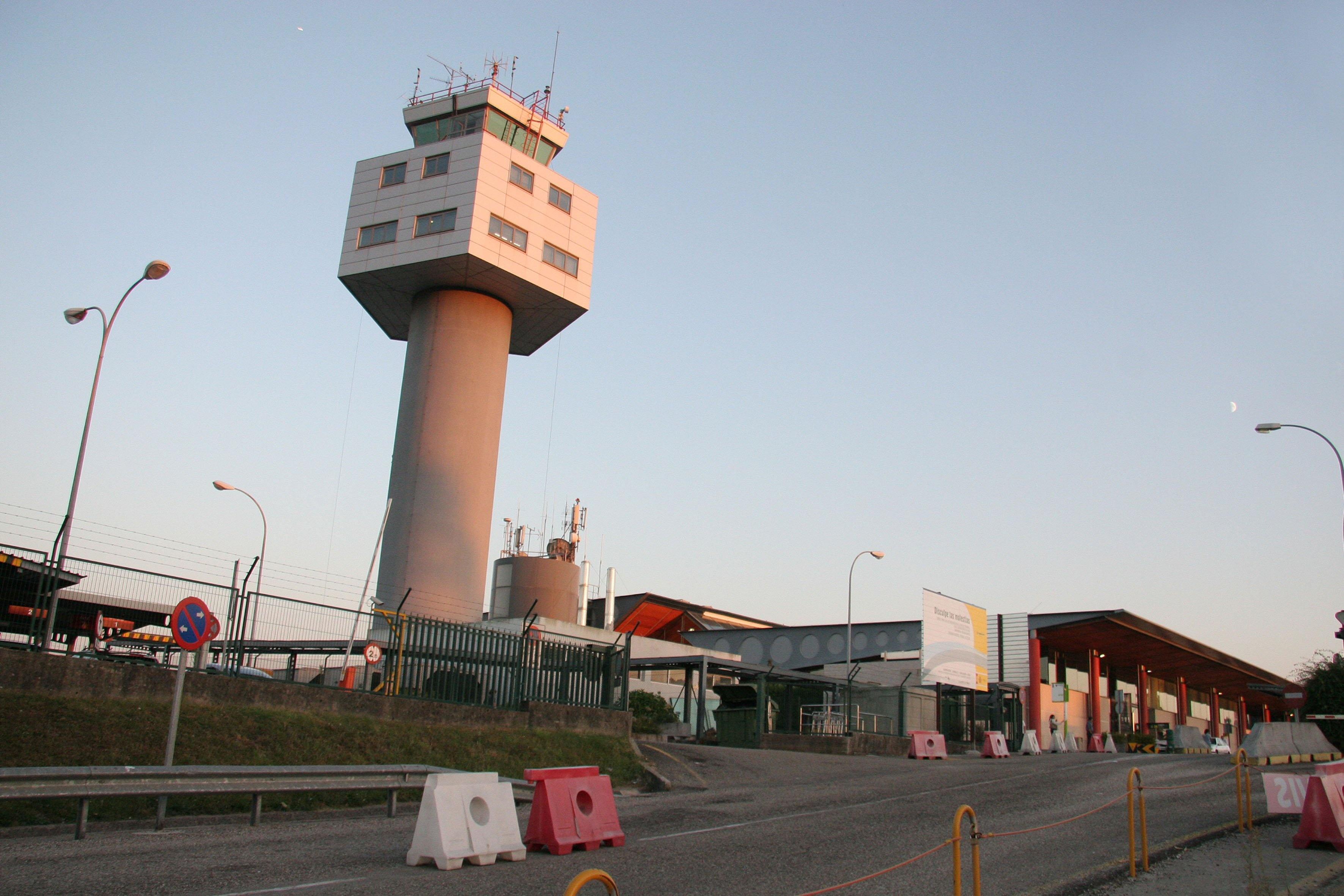 Volotea recibirá 726.000 euros del Ayuntamiento de Vigo por conectar Peinador con Valencia, Mallorca e Ibiza