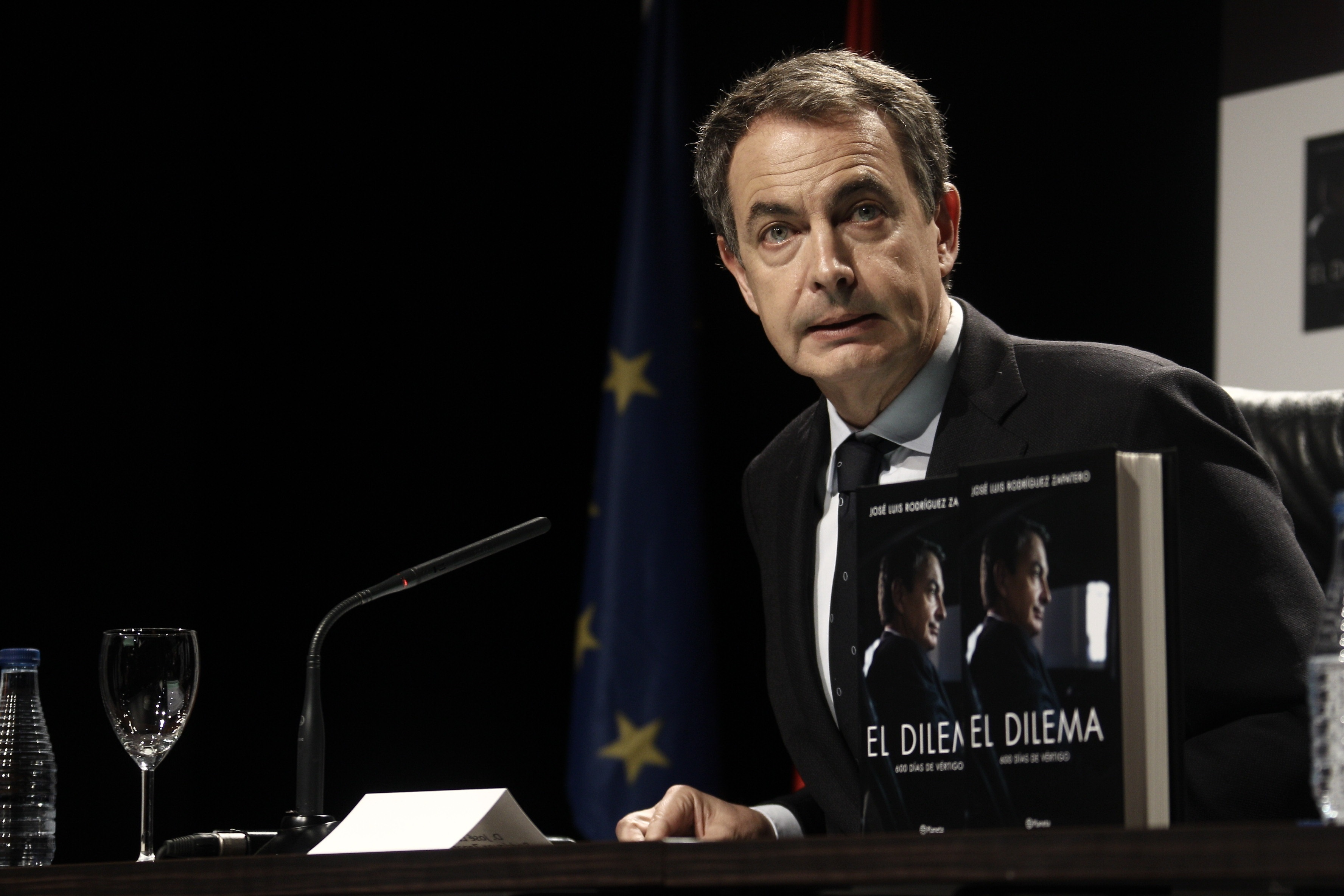 Zapatero defiende la ley Aído y critica que esta reforma desconfía de la mujer