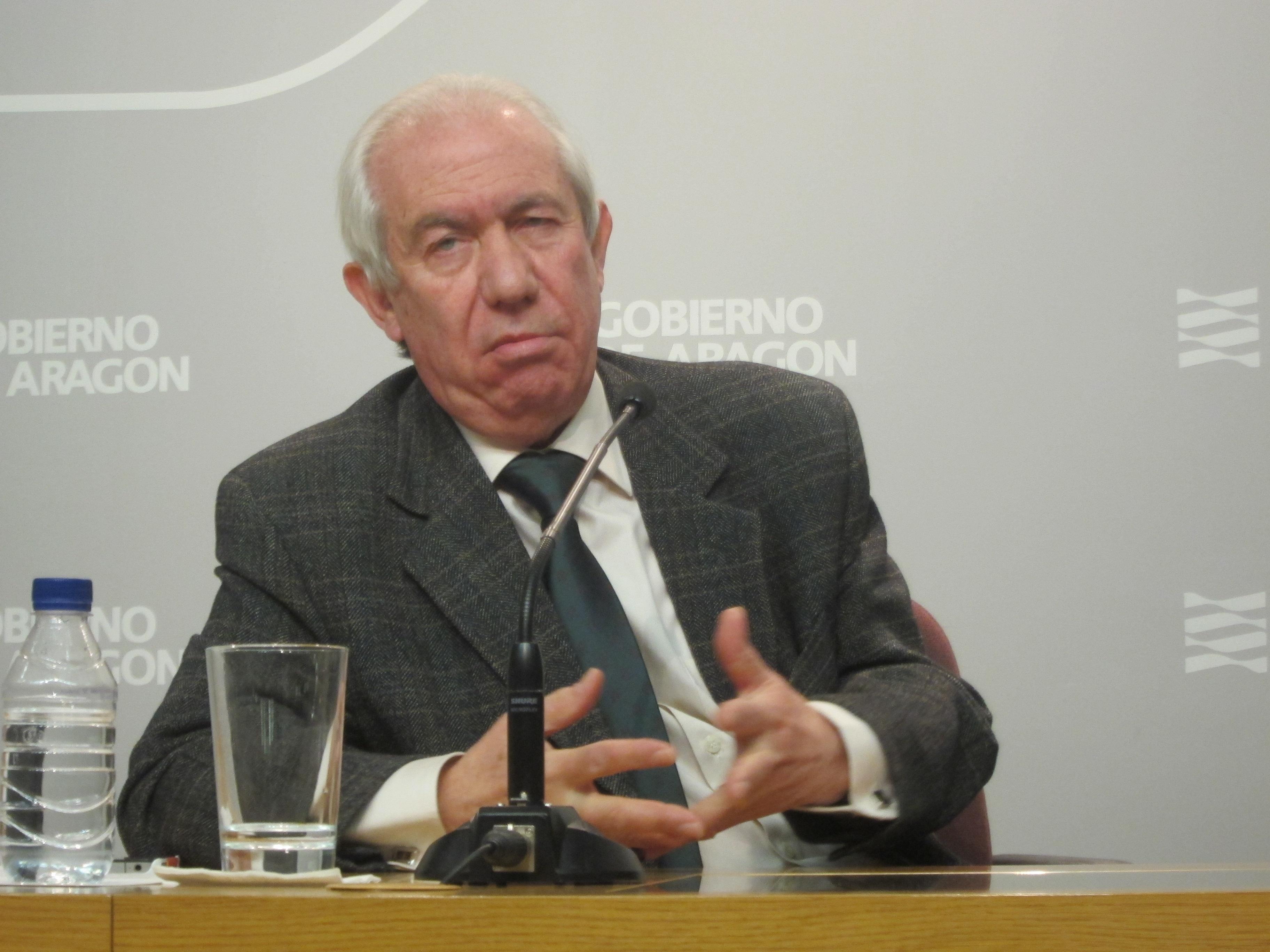 El consejero de Economía destaca que «previsiblemente» el 2013 acabará con menos parados que a comienzos de año