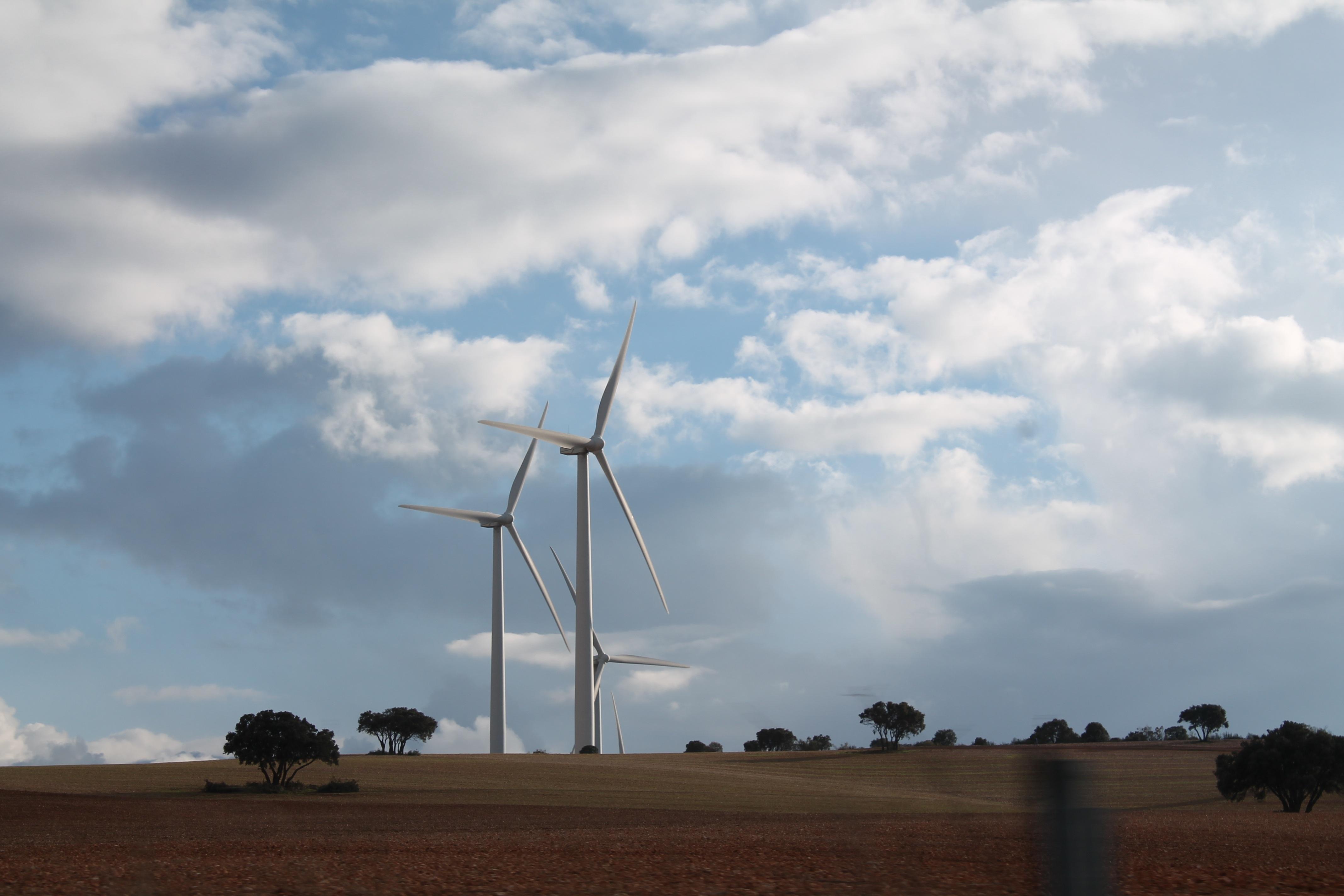 Un fondo británico se suma a las denuncias por el recorte a las renovables