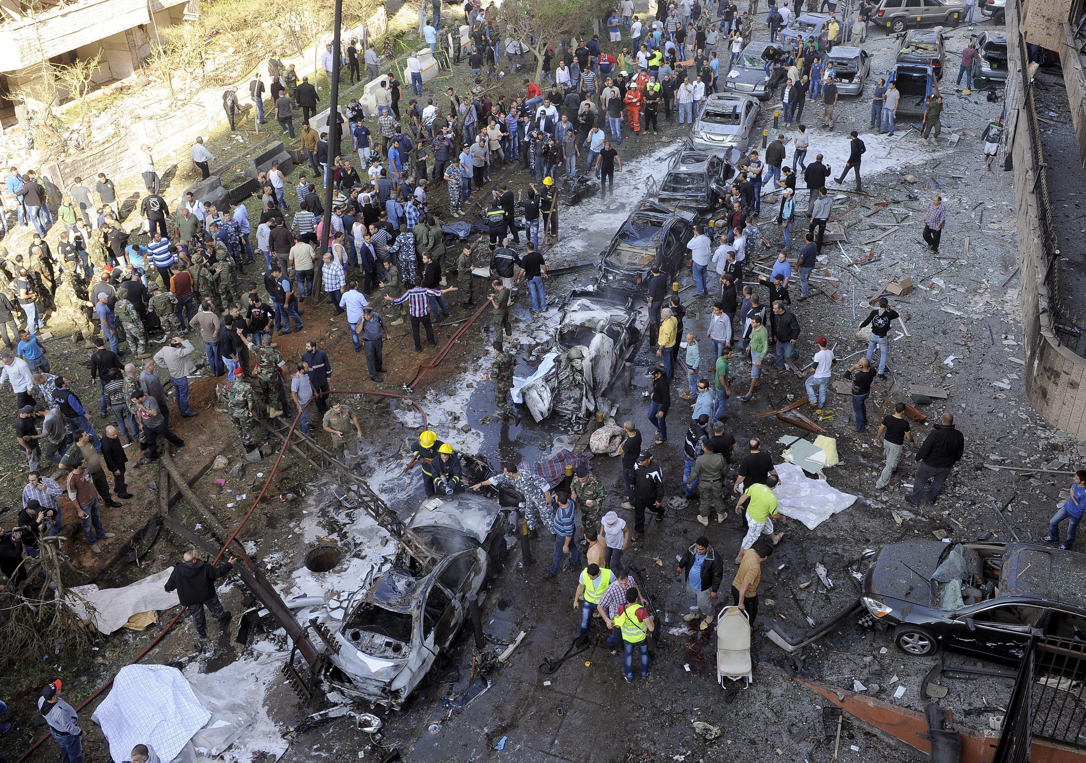 Muere el exministro libanés de Economía en una gran explosión en Beirut