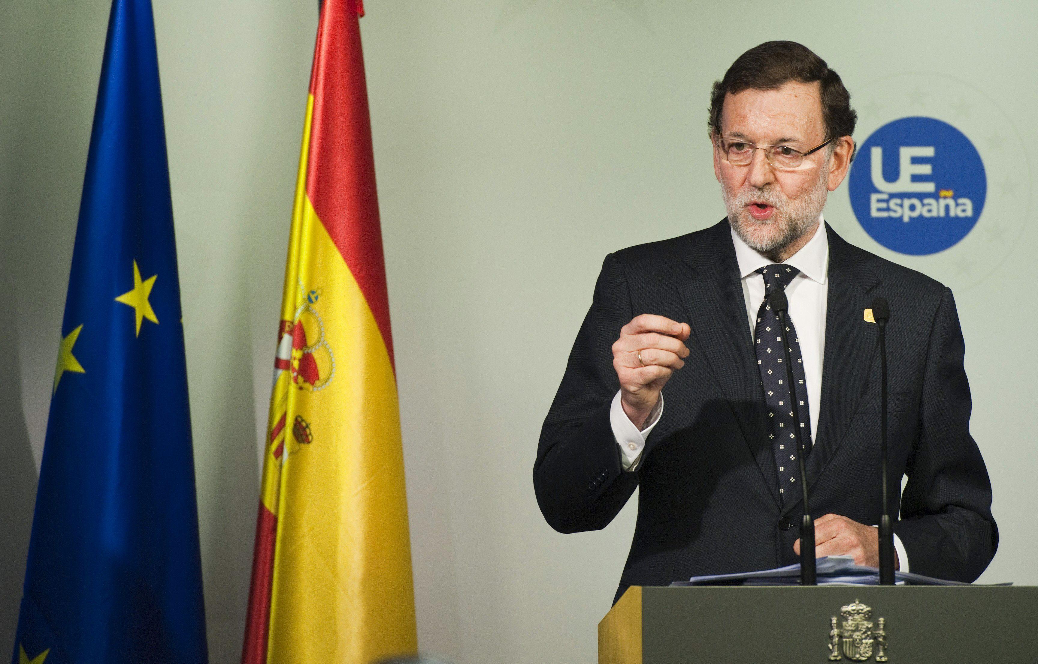 Rajoy y Rubalcaba se enfrentan a los periodistas en su balance de fin de año