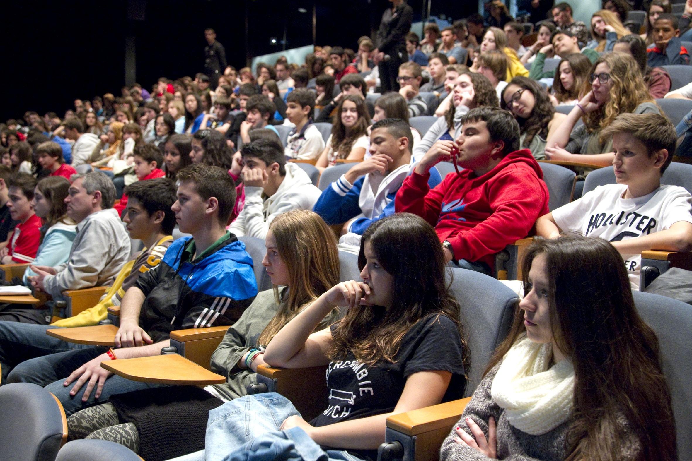Más de 100.000 jóvenes han reflexionado sobre el consumo de drogas gracias a un proyecto de »la Caixa»