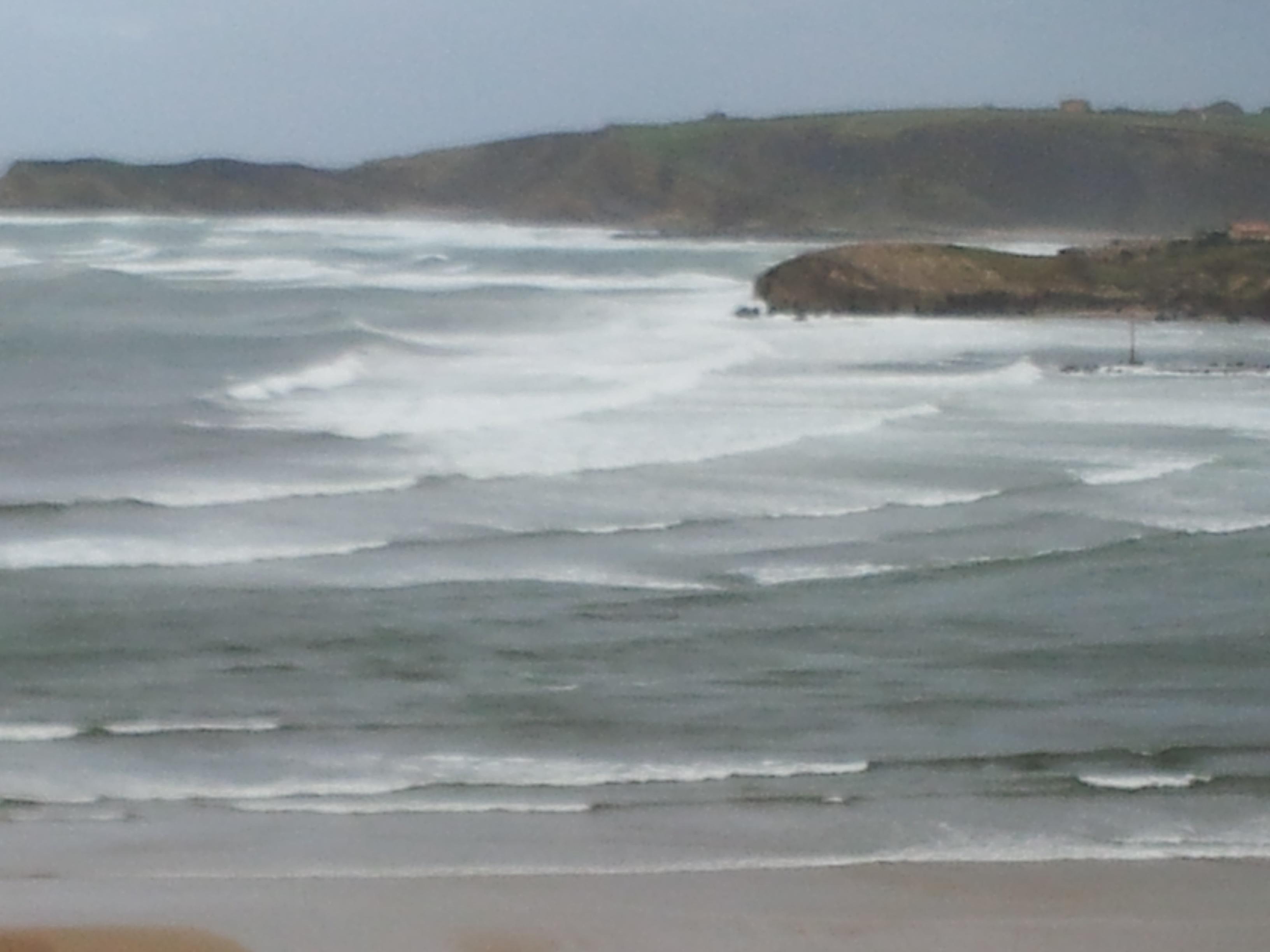 Cantabria está mañana en alerta amarilla por oleaje y nevadas