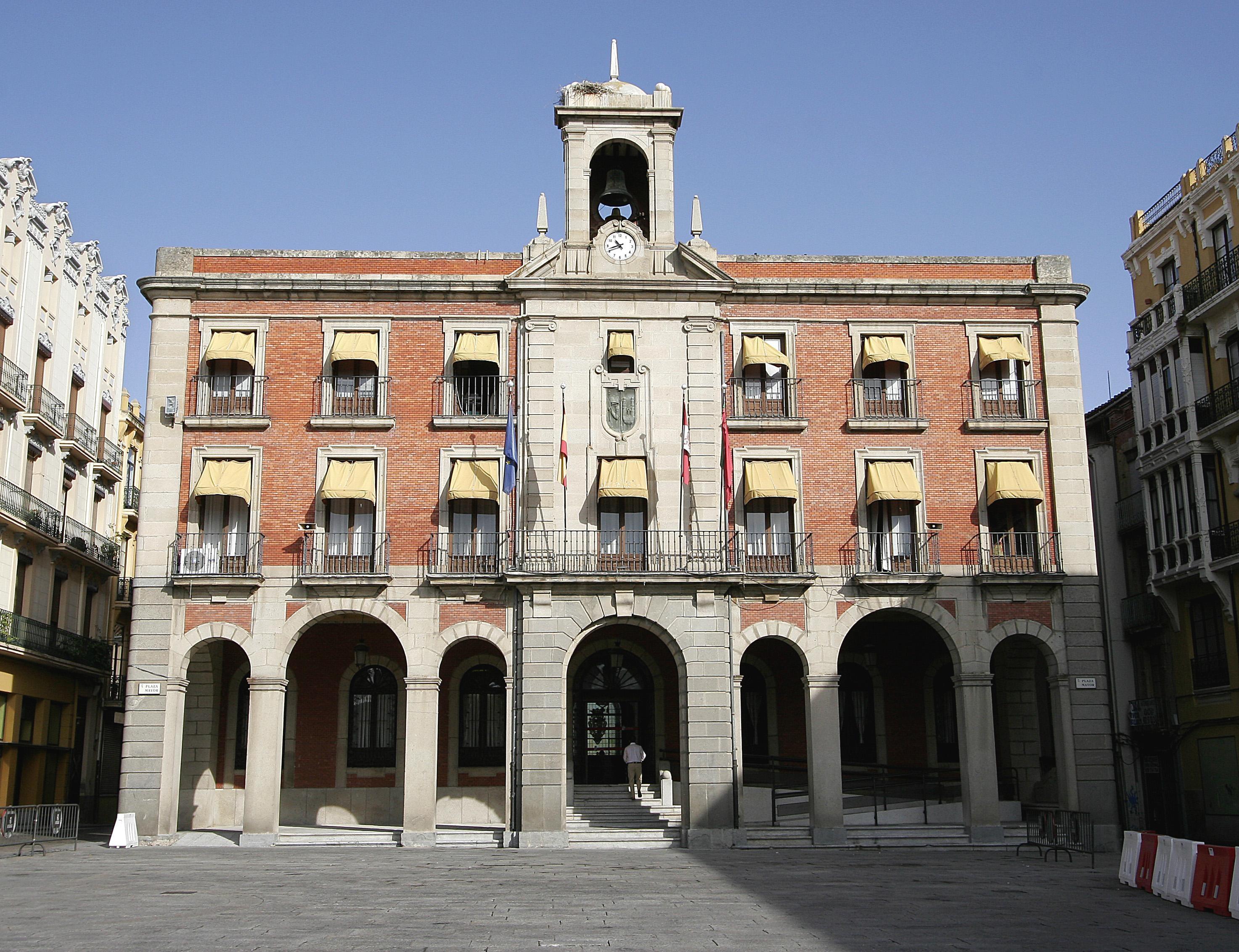 La Concejalía de Atención al Ciudadano de Zamora atendió 2.377 consultas en 2013, sólo el 10% fueron quejas