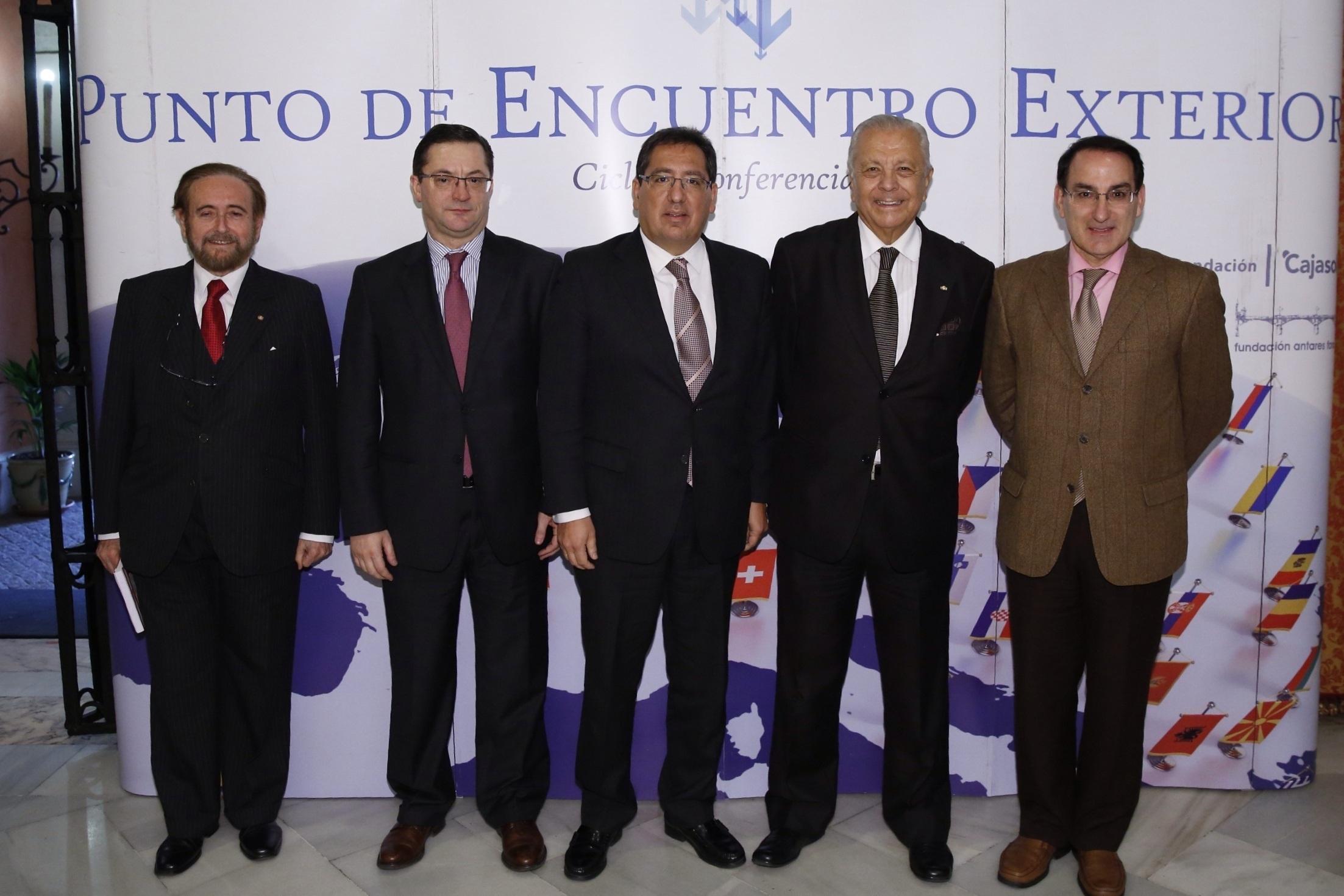 El embajador de Chile en España invitado en el Punto de Encuentro Exterior de Fundación Antares y la Fundación Cajasol