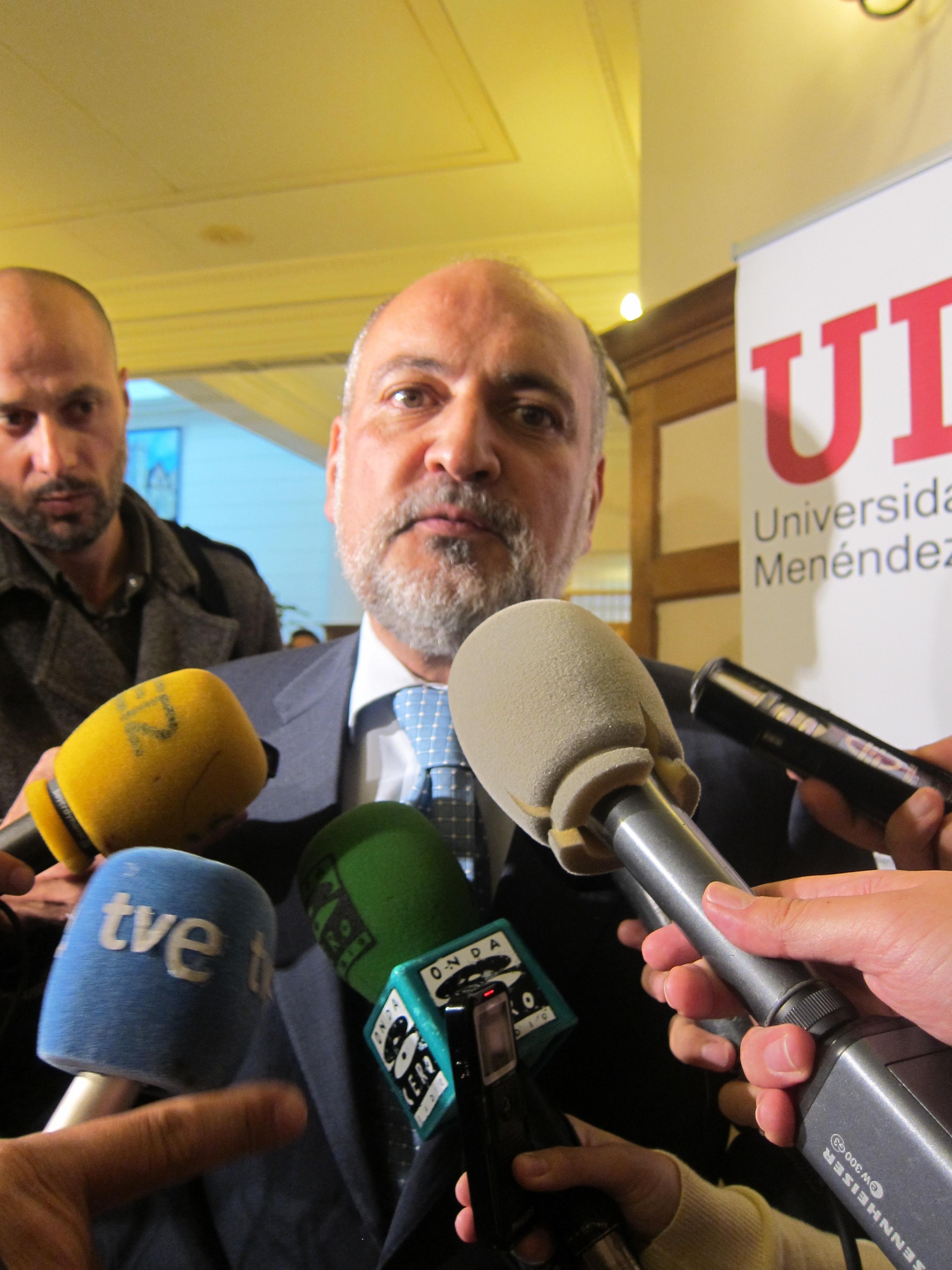IU pregunta al TC cuándo resolverá los recursos contra la vigente ley y pide una sentencia antes de la reforma