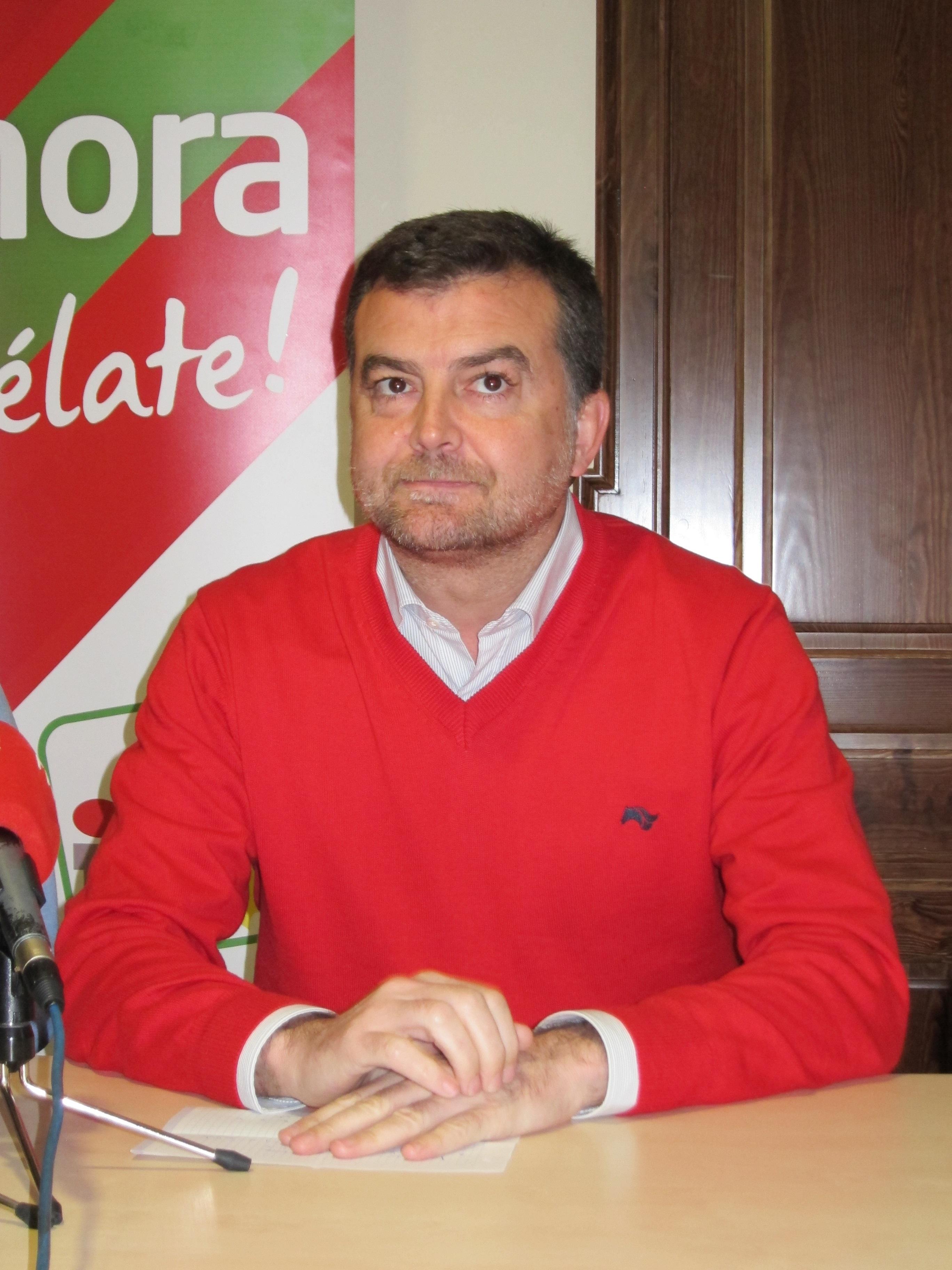 Maíllo (IU) pide «contundencia» a la hora de que se investigue la financiación de cualquier partido o sindicato