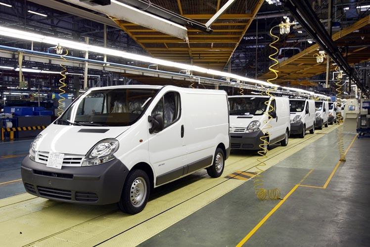 Nissan Barcelona amplía el turno nocturno hasta julio y contrata a 20 personas más