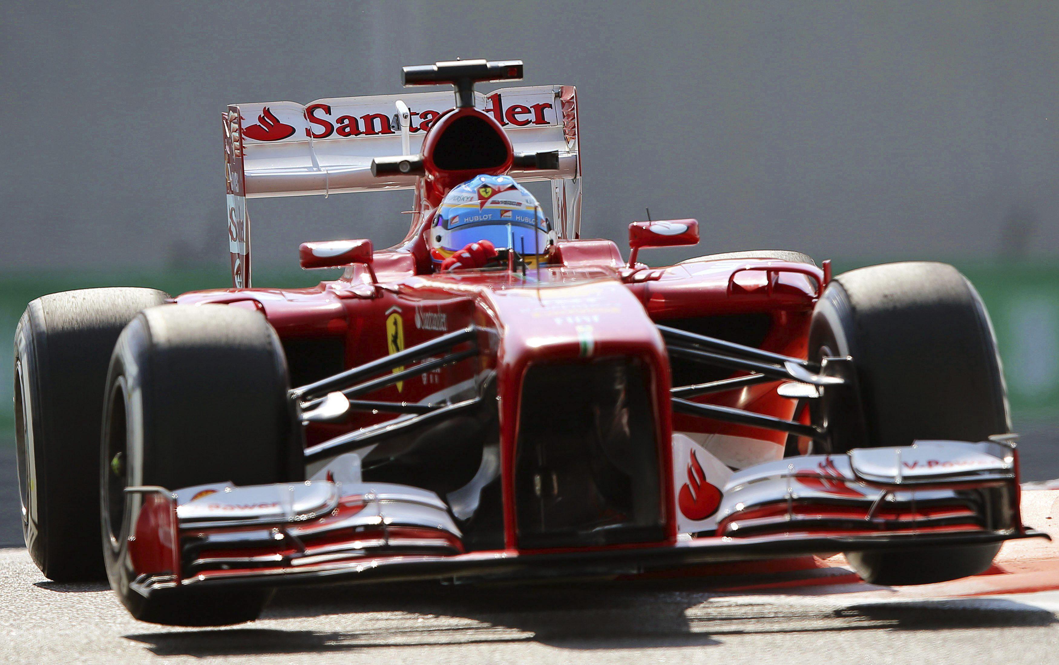 Alonso lidera los ensayos en el tercer día en el Circuito de Jerez